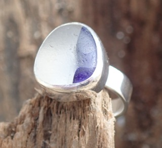 RE167 Eco-silver Sea Glass Ring UK G White/Dark indigo Seaham Multi