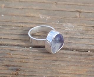 RE167 Eco-silver Sea Glass Ring UK G White/Dark indigo Seaham Multi