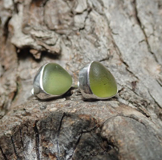 EST31 Eco-silver Sea Glass Earrings Seaham with Olive Yellow Sea Glass