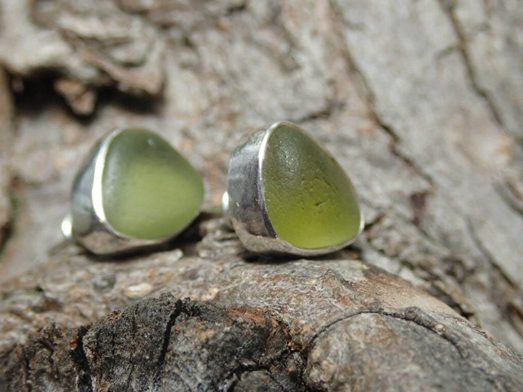 EST31 Sea Glass Earrings Seaham with Olive Yellow Sea Glass