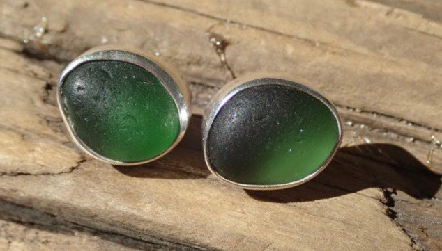EST43 Sea Glass Earrings Seaham with Emerald Green/Green Sea Glass