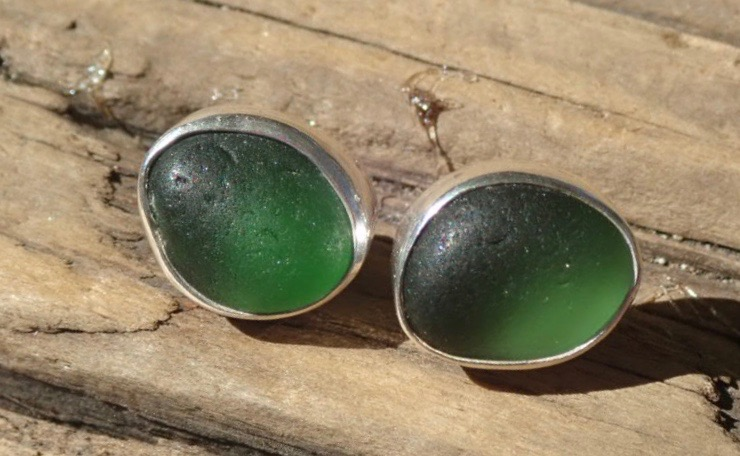 EST43 Eco-silver Sea Glass Earrings Seaham with Emerald Green/Green Sea Glass