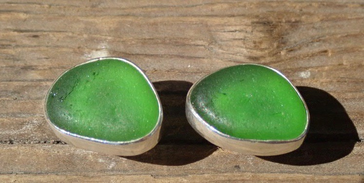 EST39 Eco-silver Sea Glass Earrings Seaham with Kelly Green Sea Glass