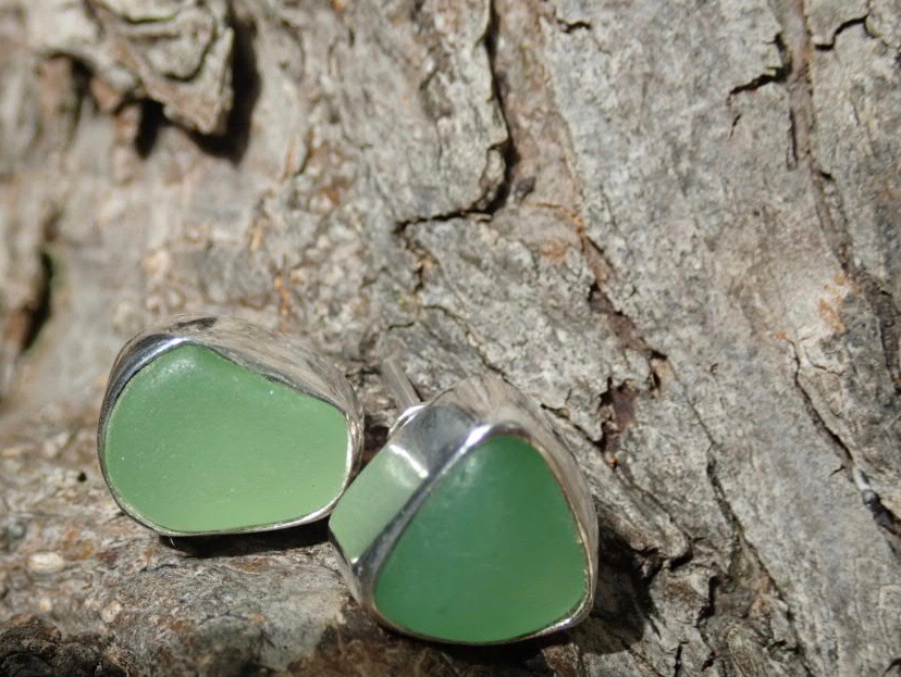 EST33 Eco-silver Sea Glass Earrings Seaham with Ultraviolet Sea Glass