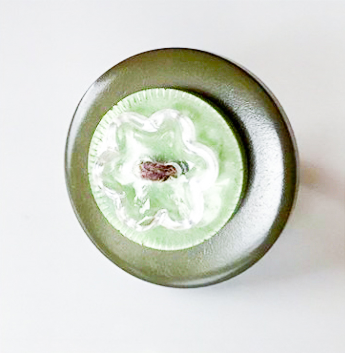 Buttons on a ring Emerald