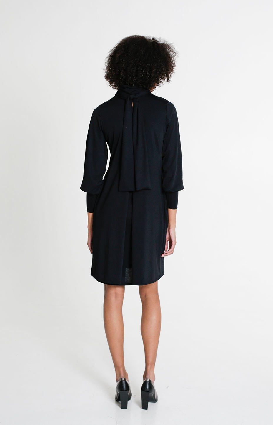 Knot dress black
