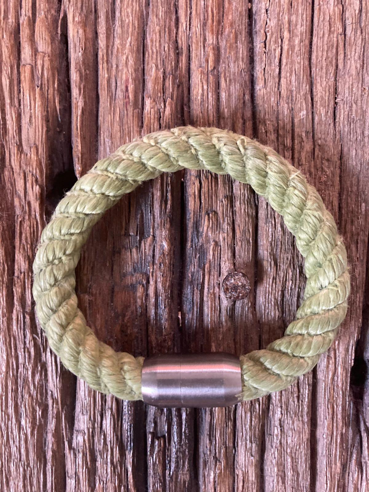 Fischereidesign - Armband grün, 10 mm Edelstahlverschluss
