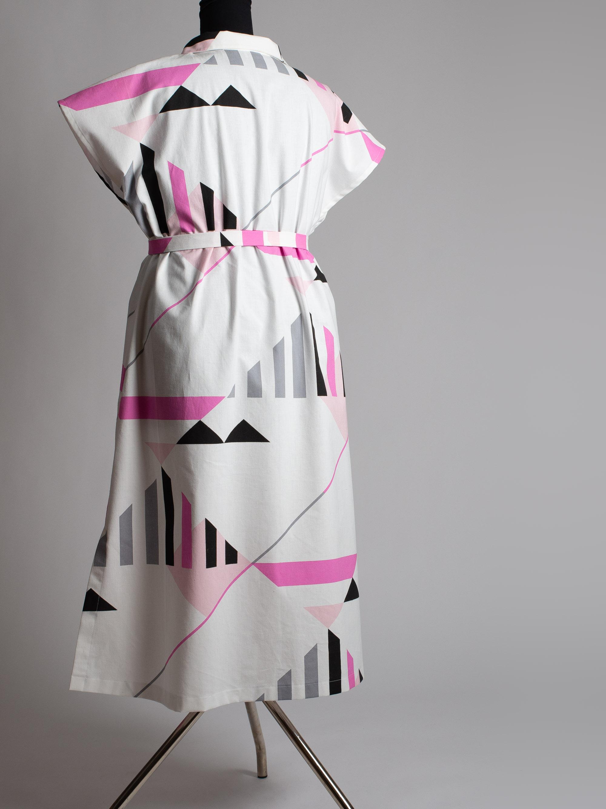 Skogsviol klänning   Storlek XL