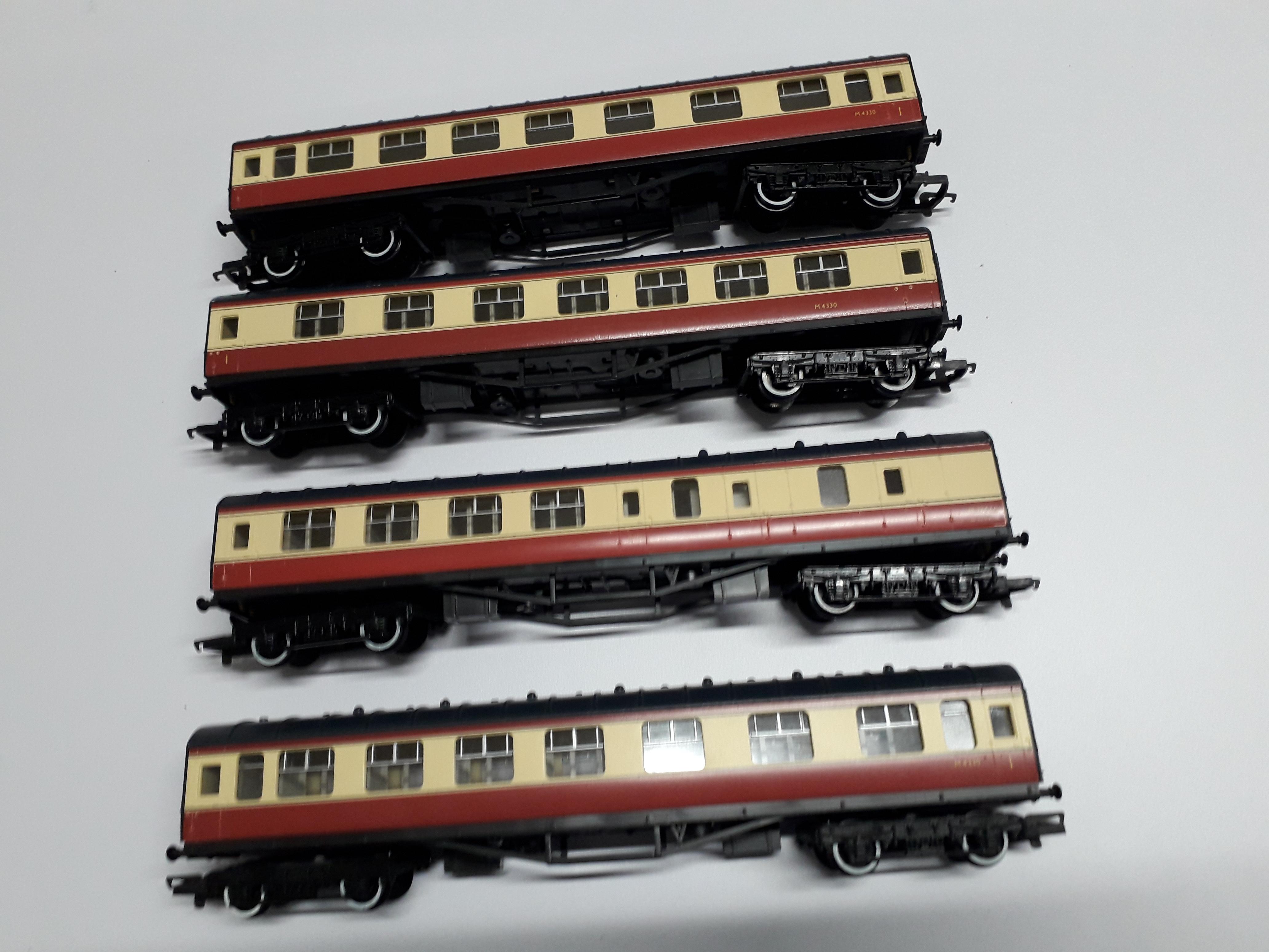 Hornby Ex LMS Stanier Carmine & Cream Brake Composite Coach