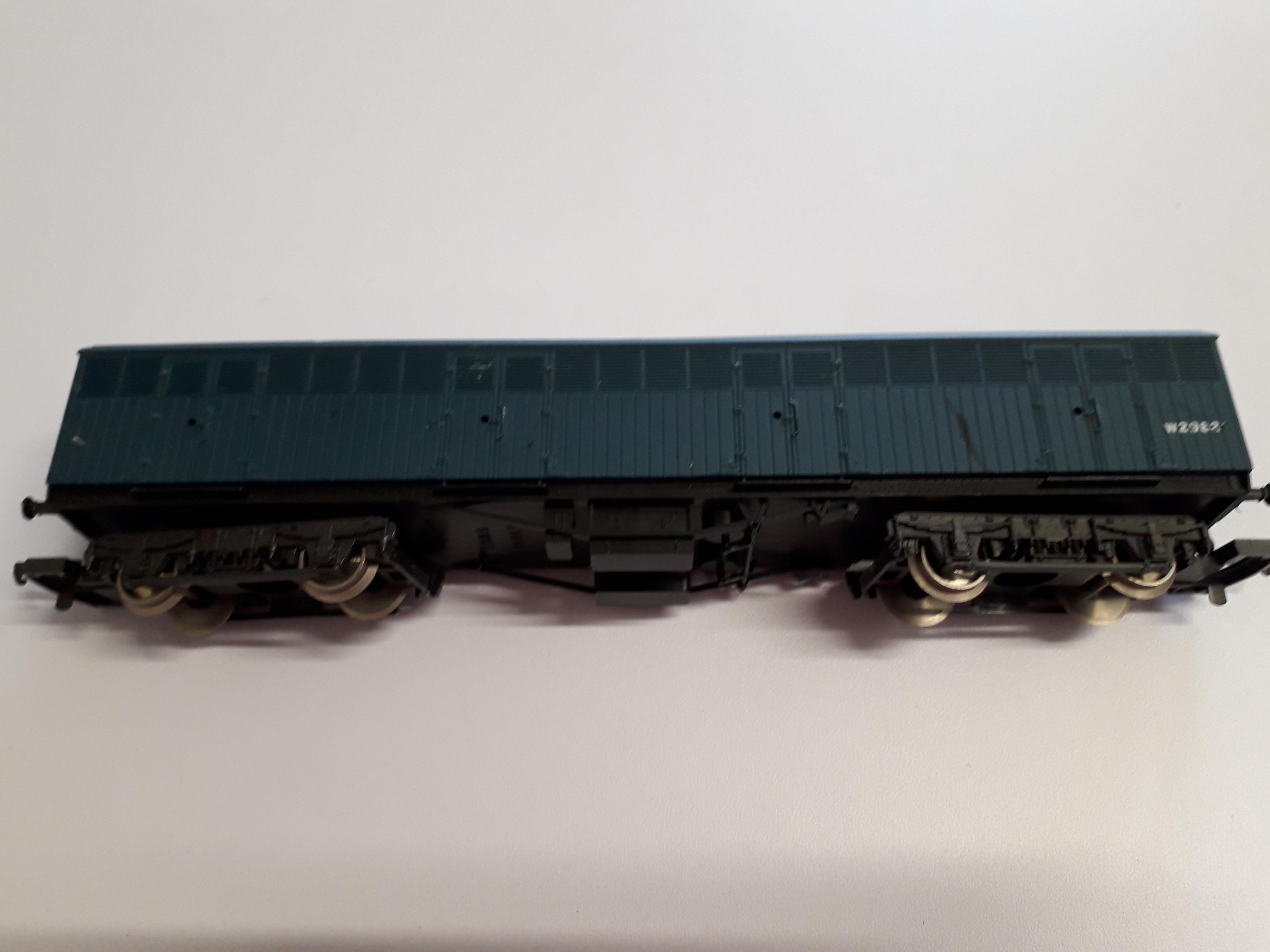 Lima L305353 BR Blue ex GWR Siphon G Wagon no 2982