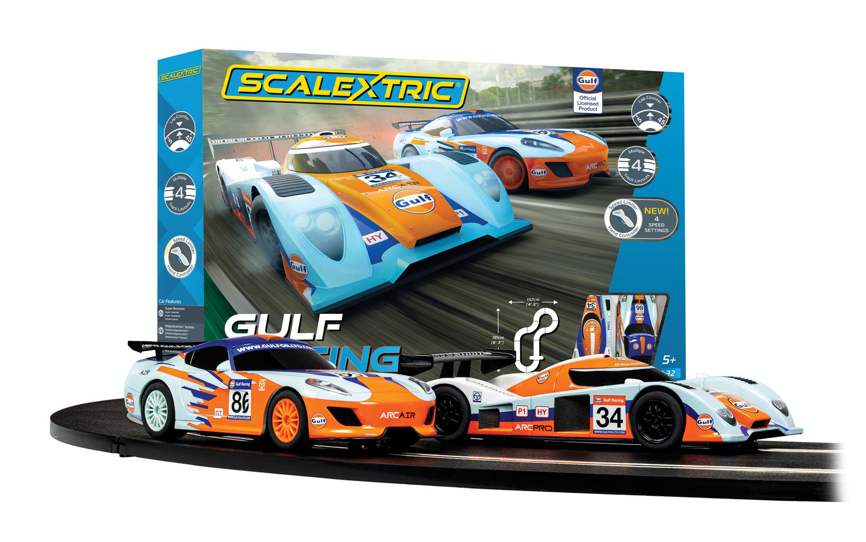 C1384 Scalextric Gulf Racing (Team GT Gulf v Team LMP Gulf)