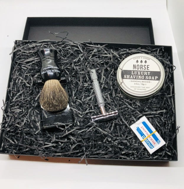 Sandalwood butterfly razor and shaving brush kit