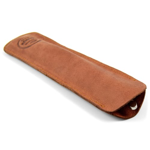 Slim leather case for a straight razor
