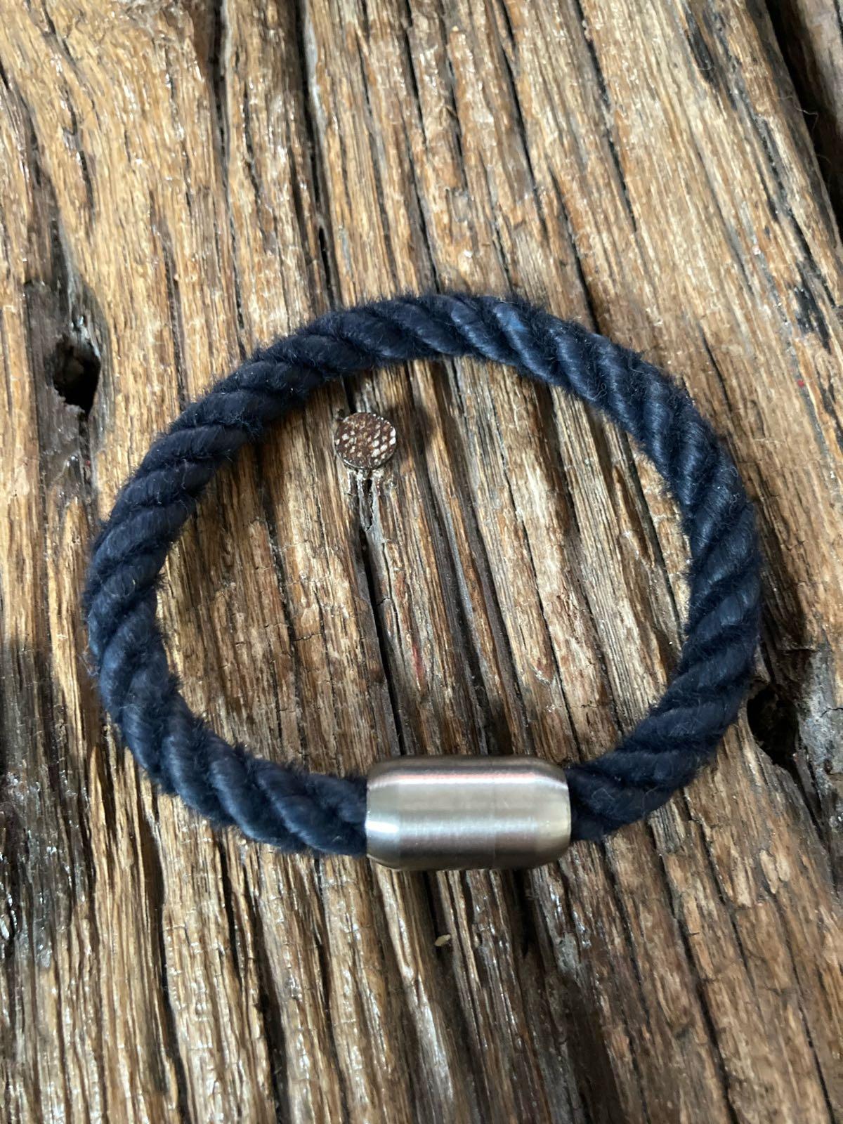 Fischereidesign - Armband , 9 mm , Navy, Edelstahlverschluss Silber