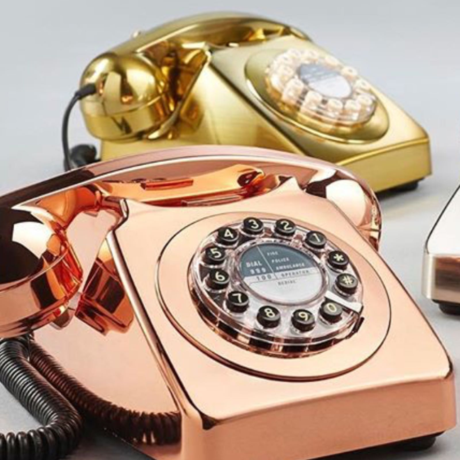 Retro 746 Copper phone