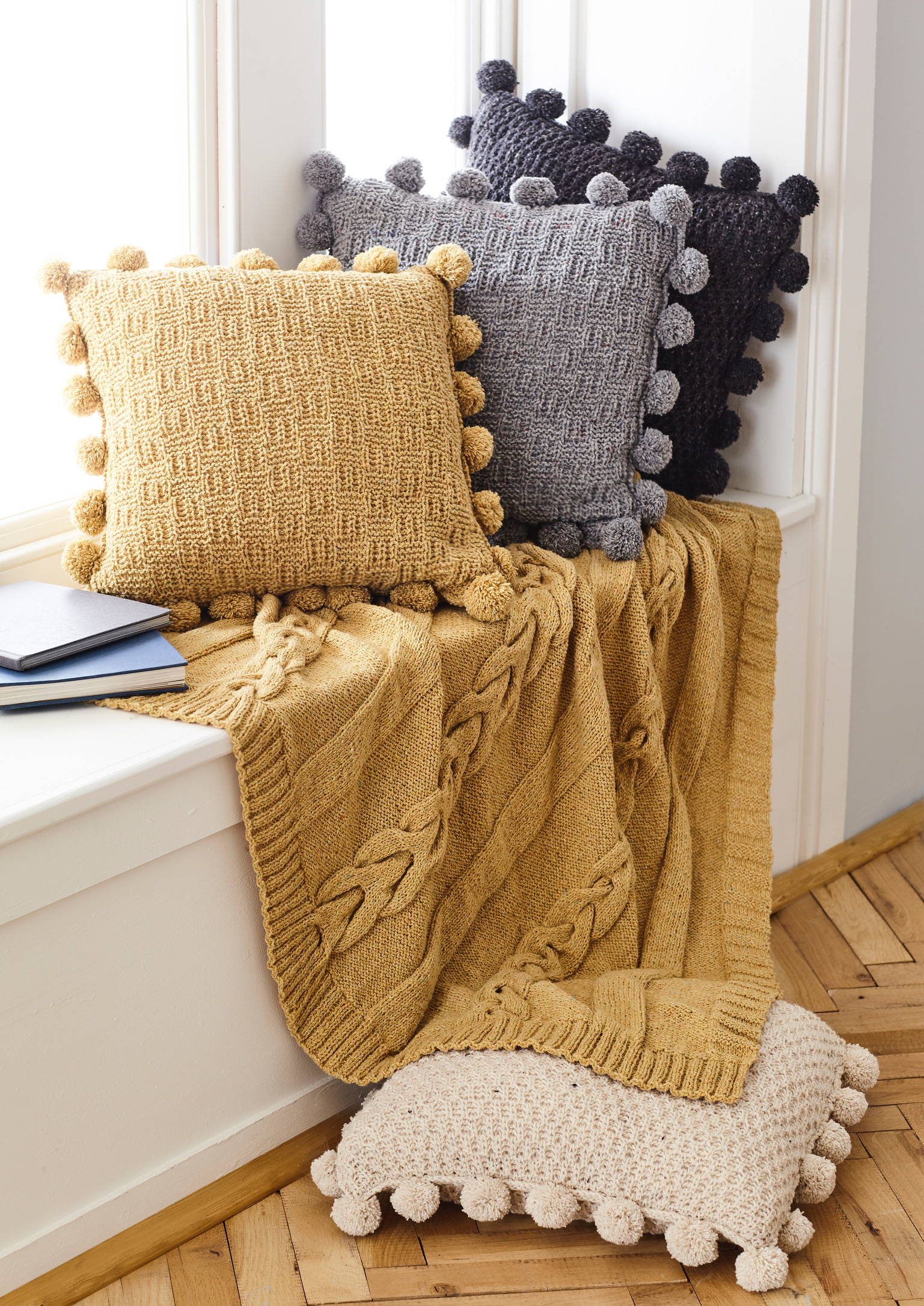 Forest Aran Cushion/Throw Pattern 5661