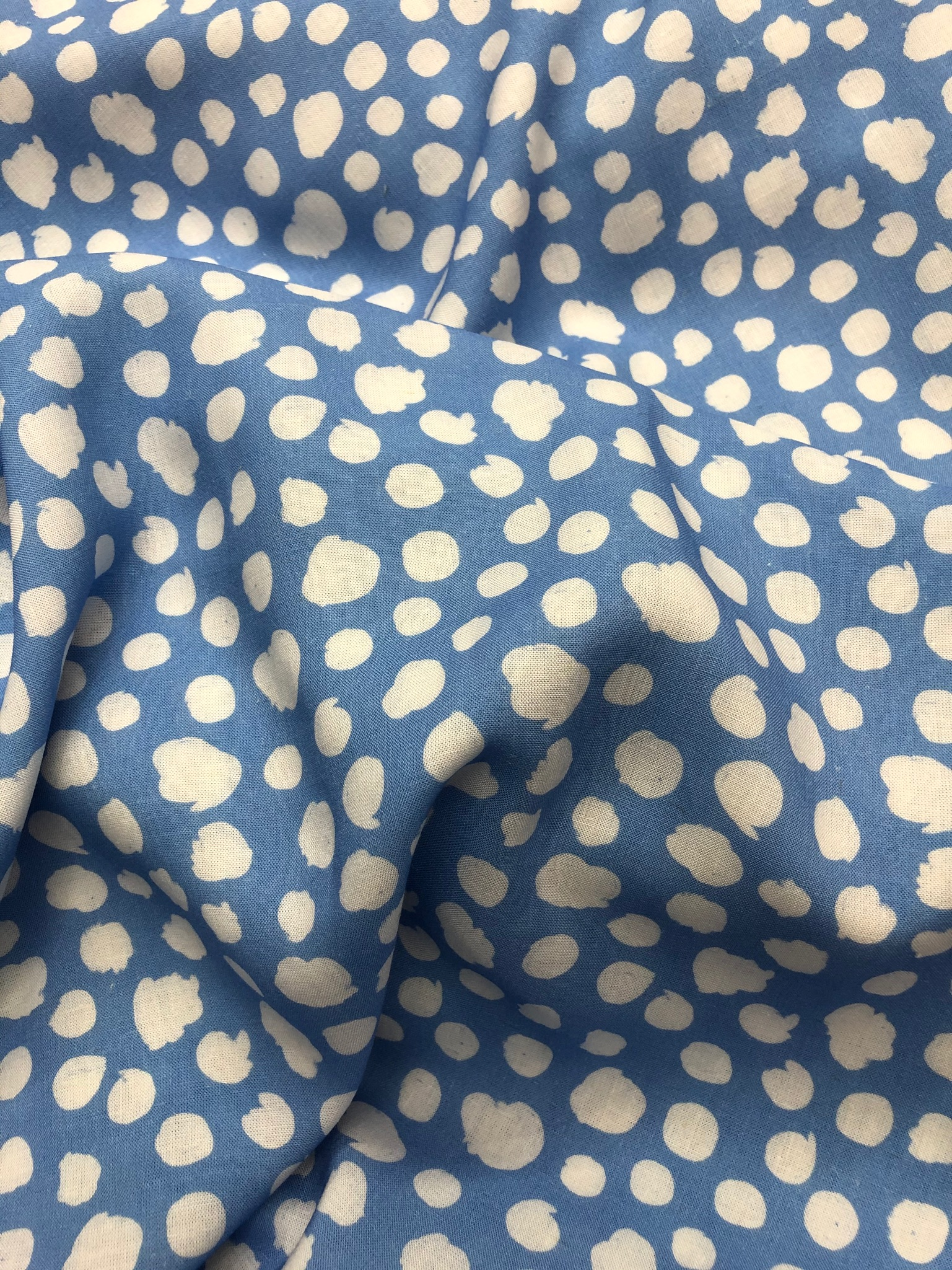 Pebbling in Summer Viscose/Linen Miix from Lady McElroy
