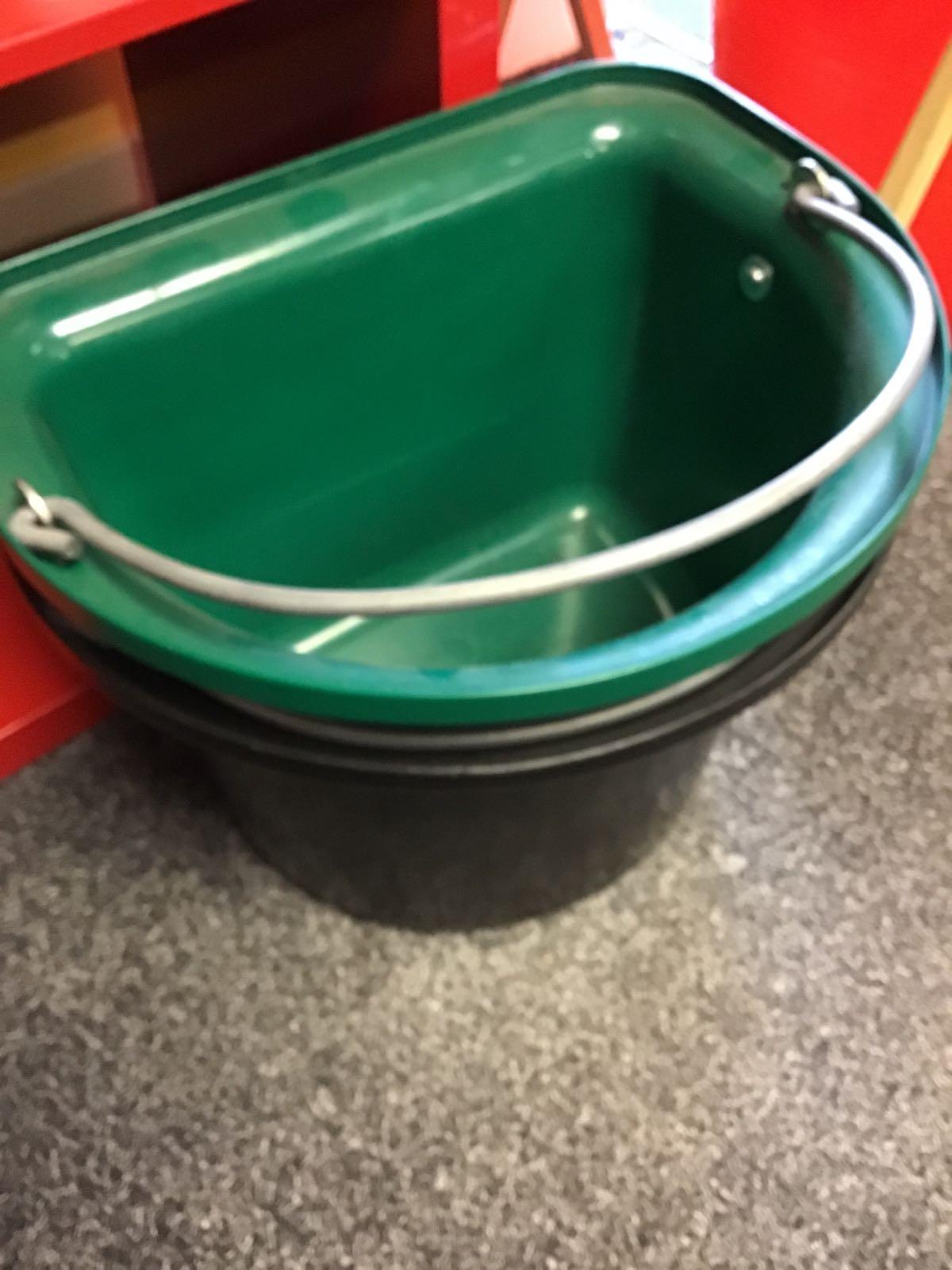 Stubbs flat sided buckets