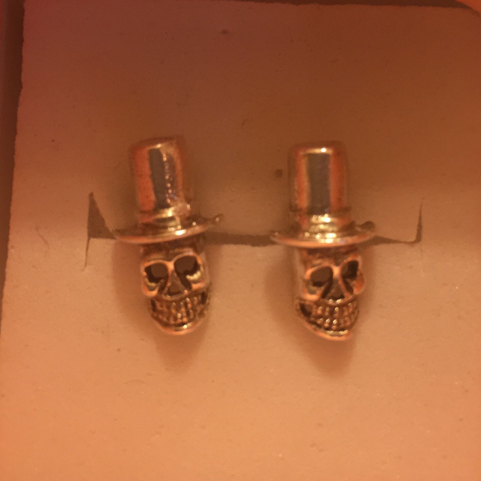 Earring Studs 925 silver skull in top hat