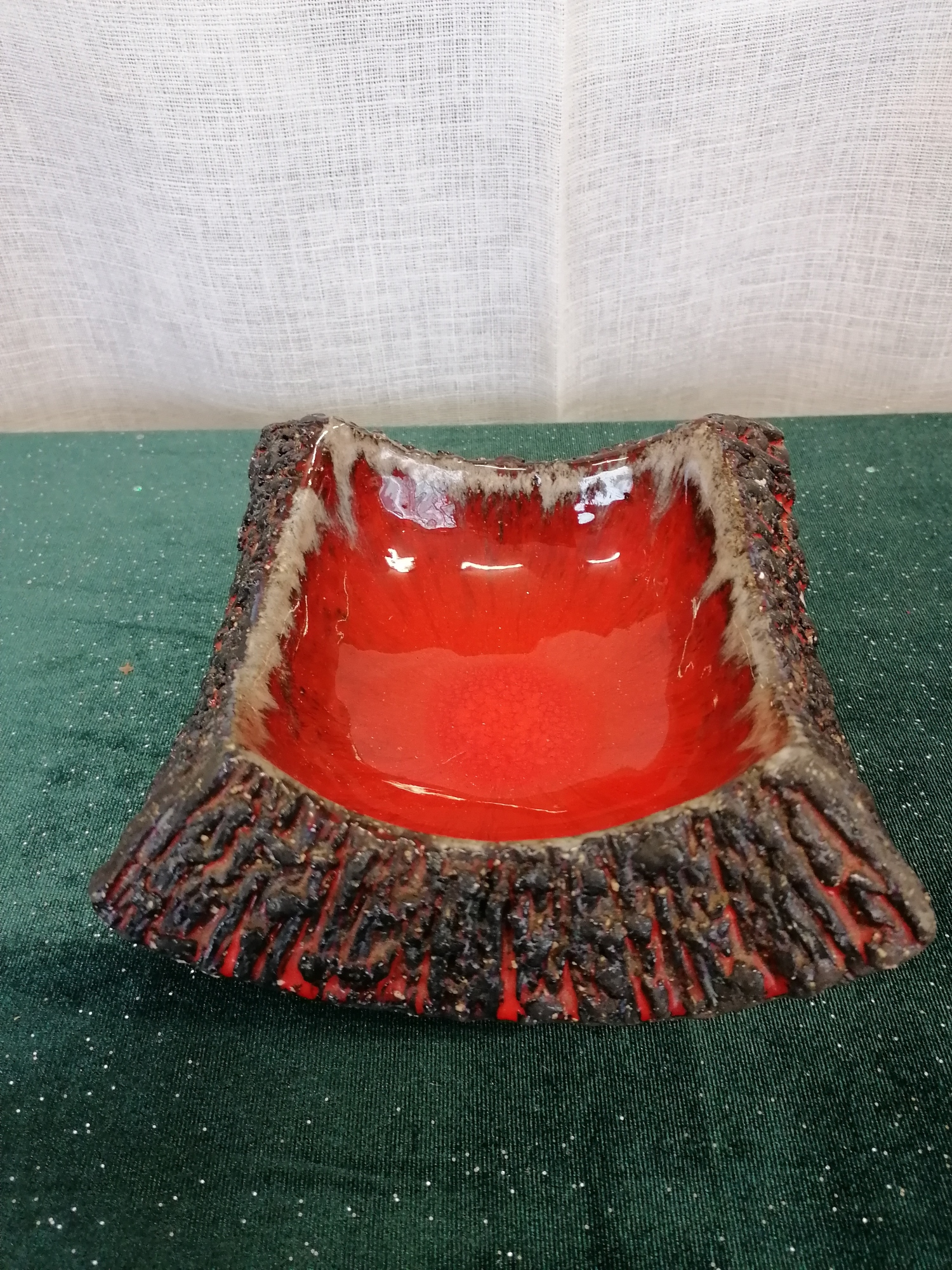 """""""Fat lava"""" fat från Norrmans keramik Motala 70-tal"""