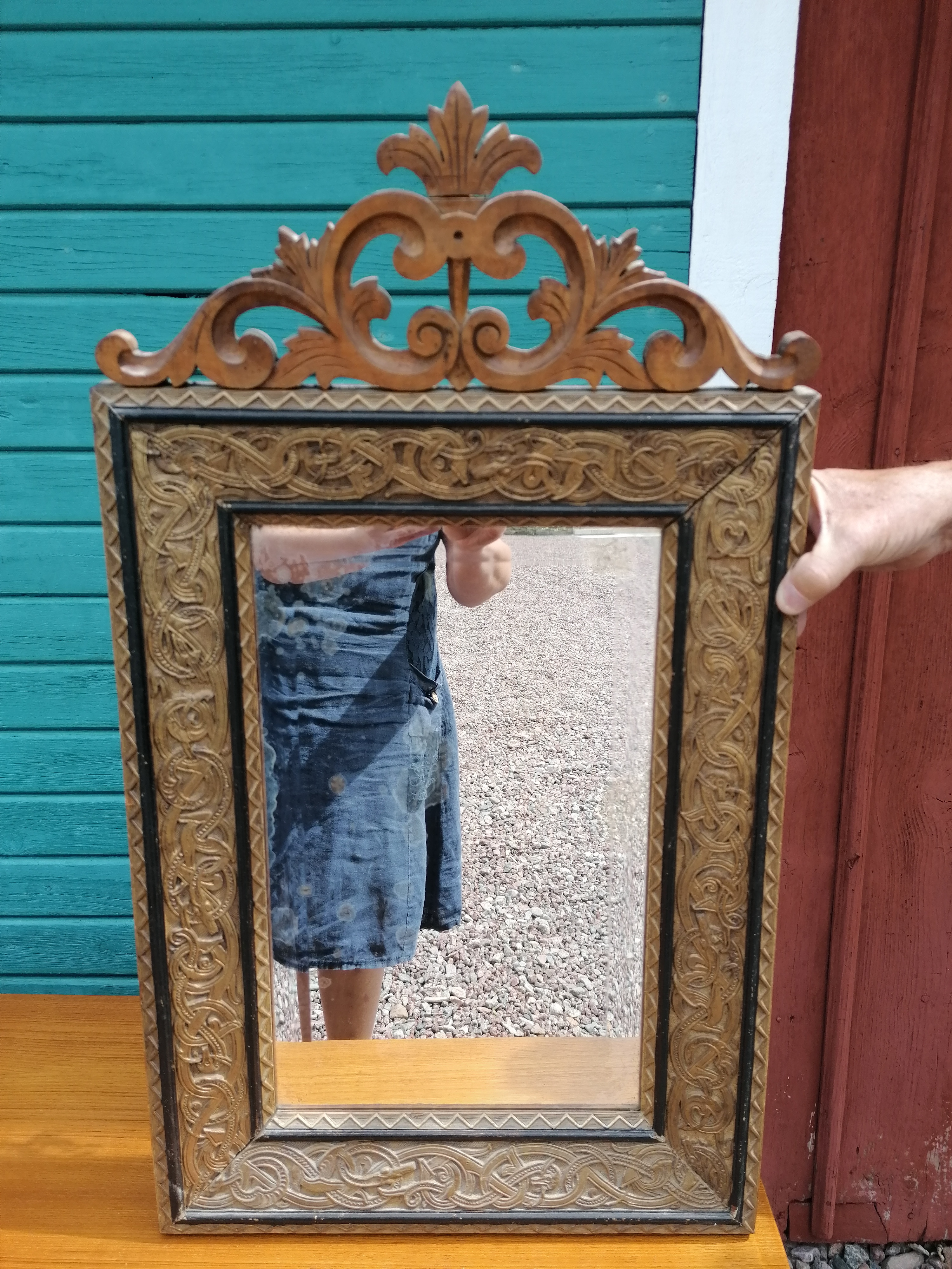 Spegel från tidigt 1800-tal