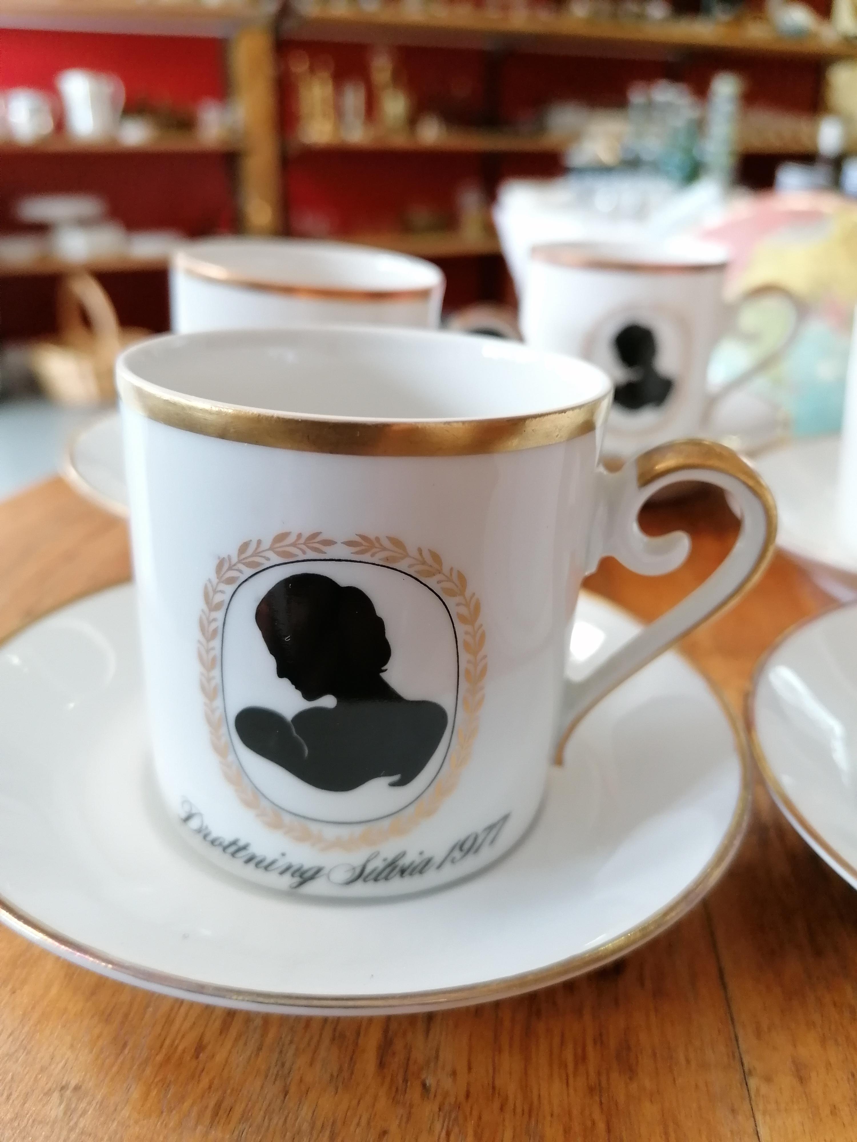 Jubileumsporslin i 8 del från Hackefors Till minne av Victorias födelse