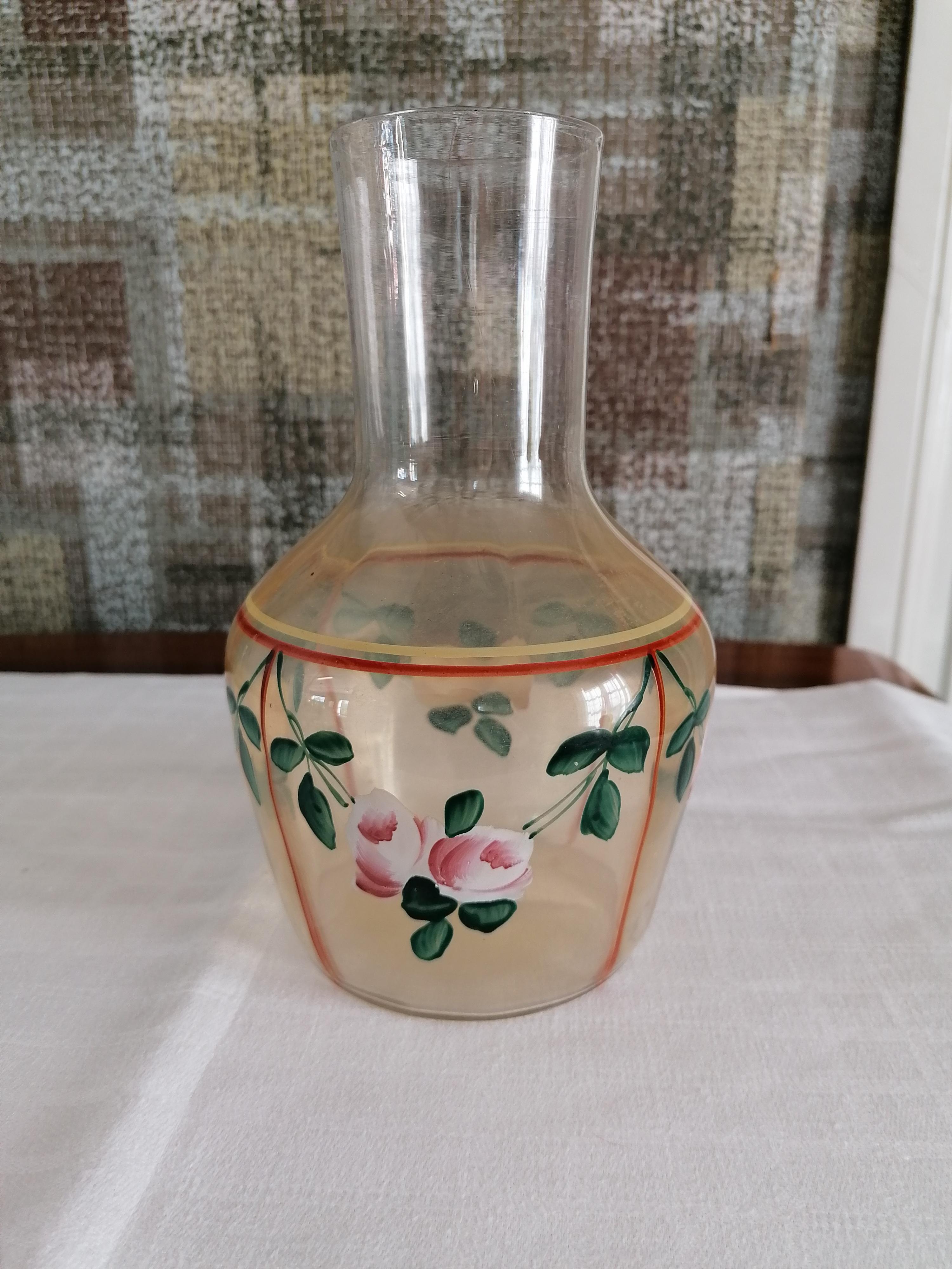 Vattenkaraff/ Nattflaska utan glas rosor
