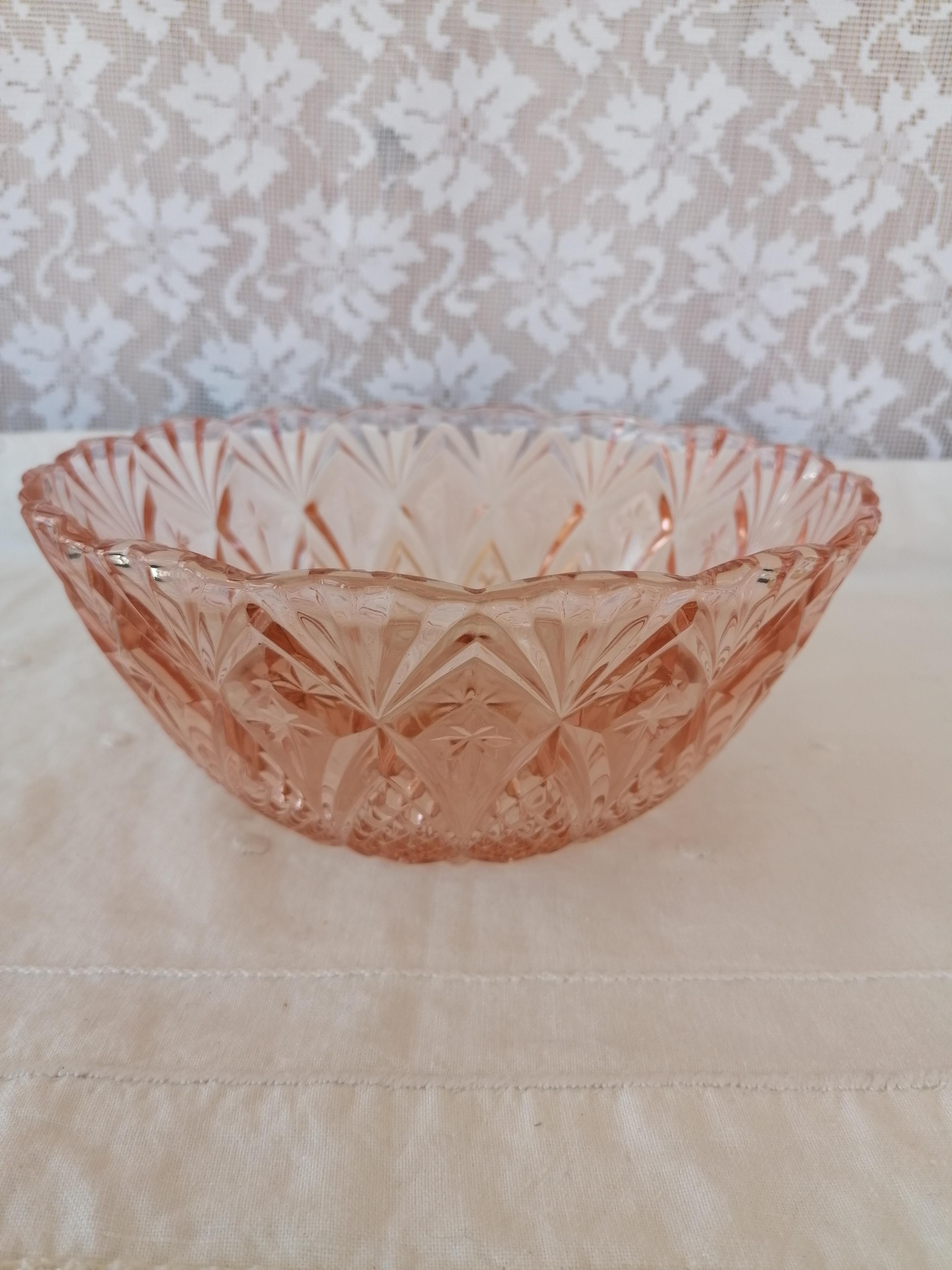 Pressglas skål rosa