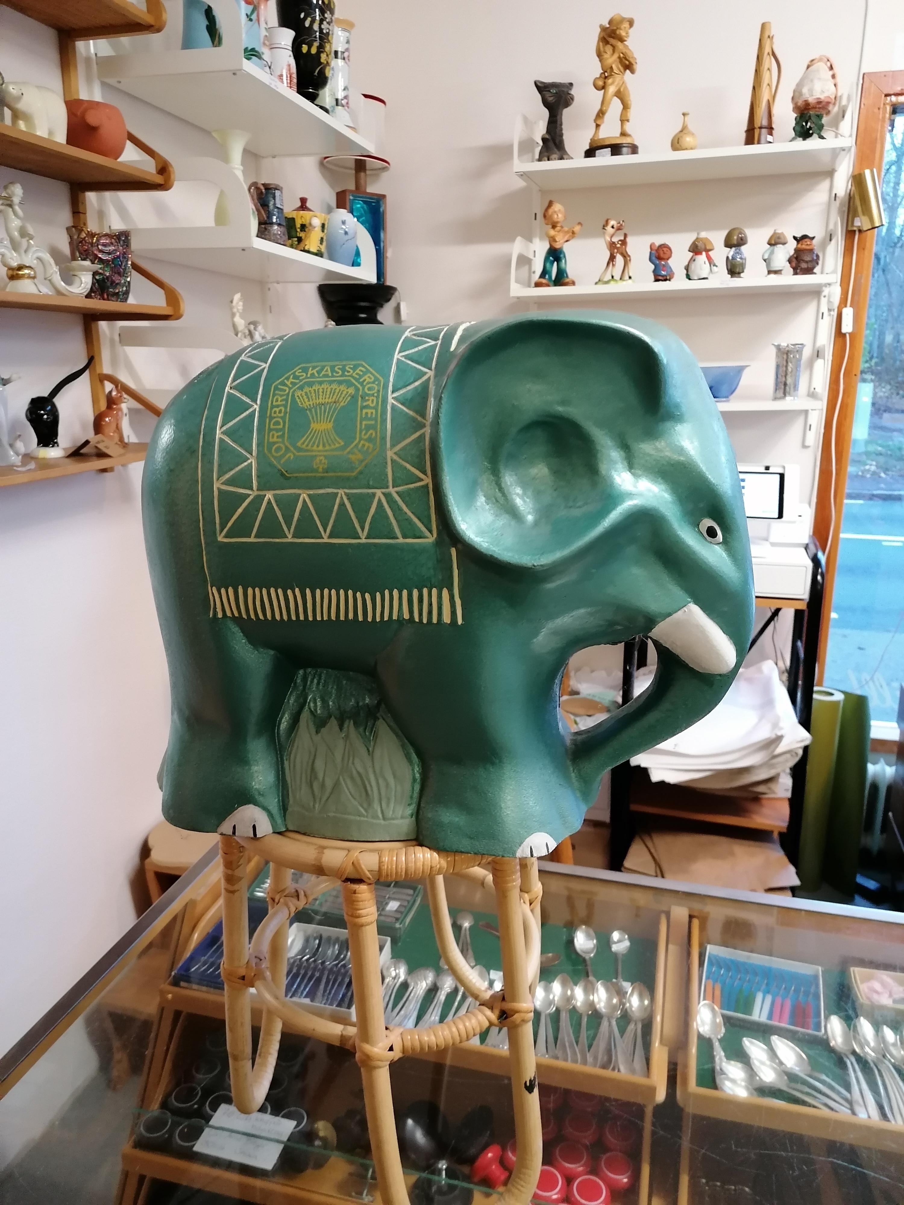 Elefant i metall Jordbrukskasserörelsen