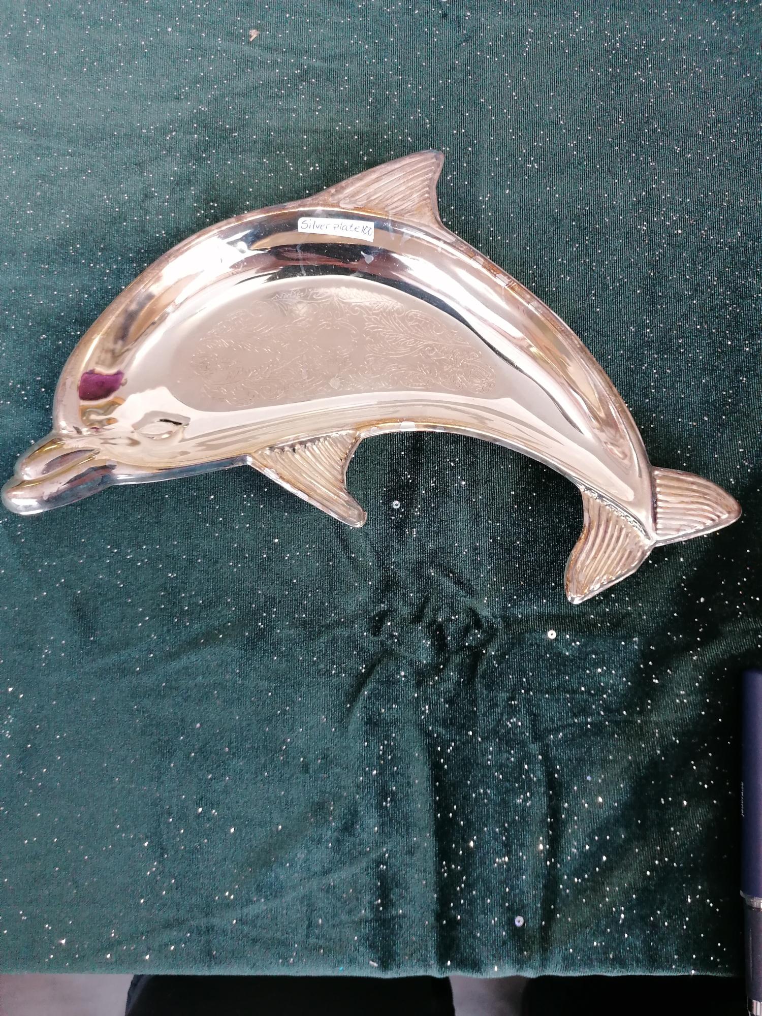 Fat i form av delfin silverplate