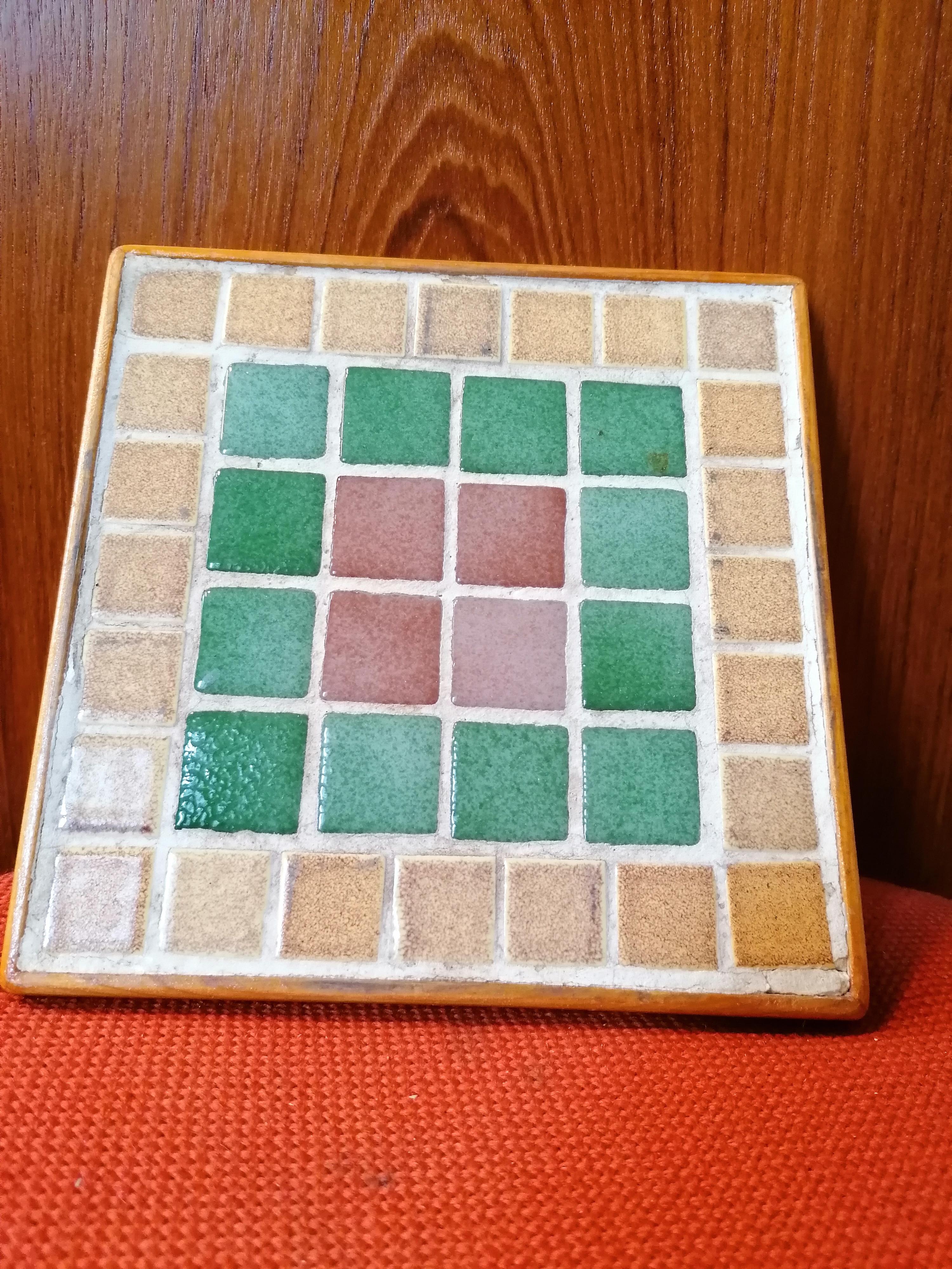 Underlägg i mosaik och trä 60-70 tal