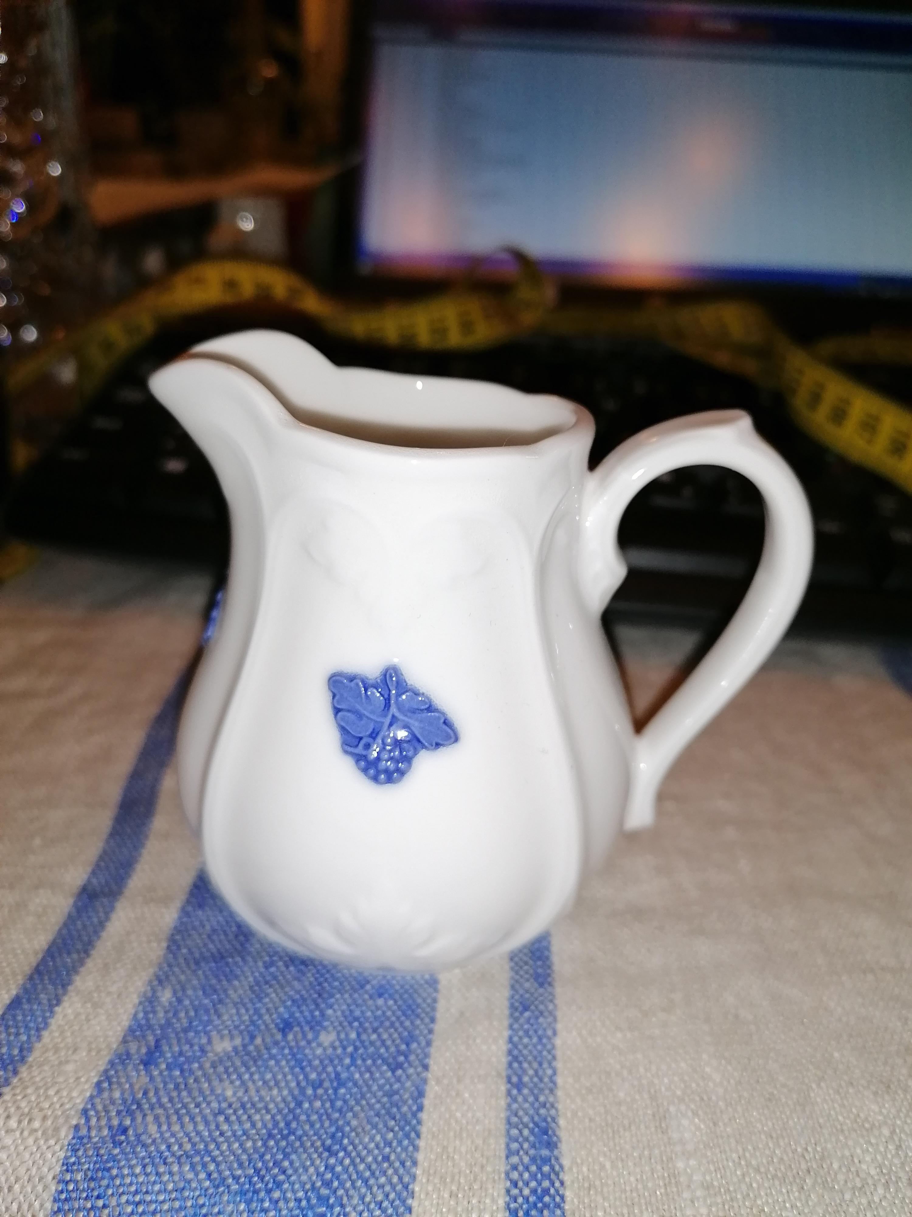 Sockerskål och gräddsnipa Blå blom