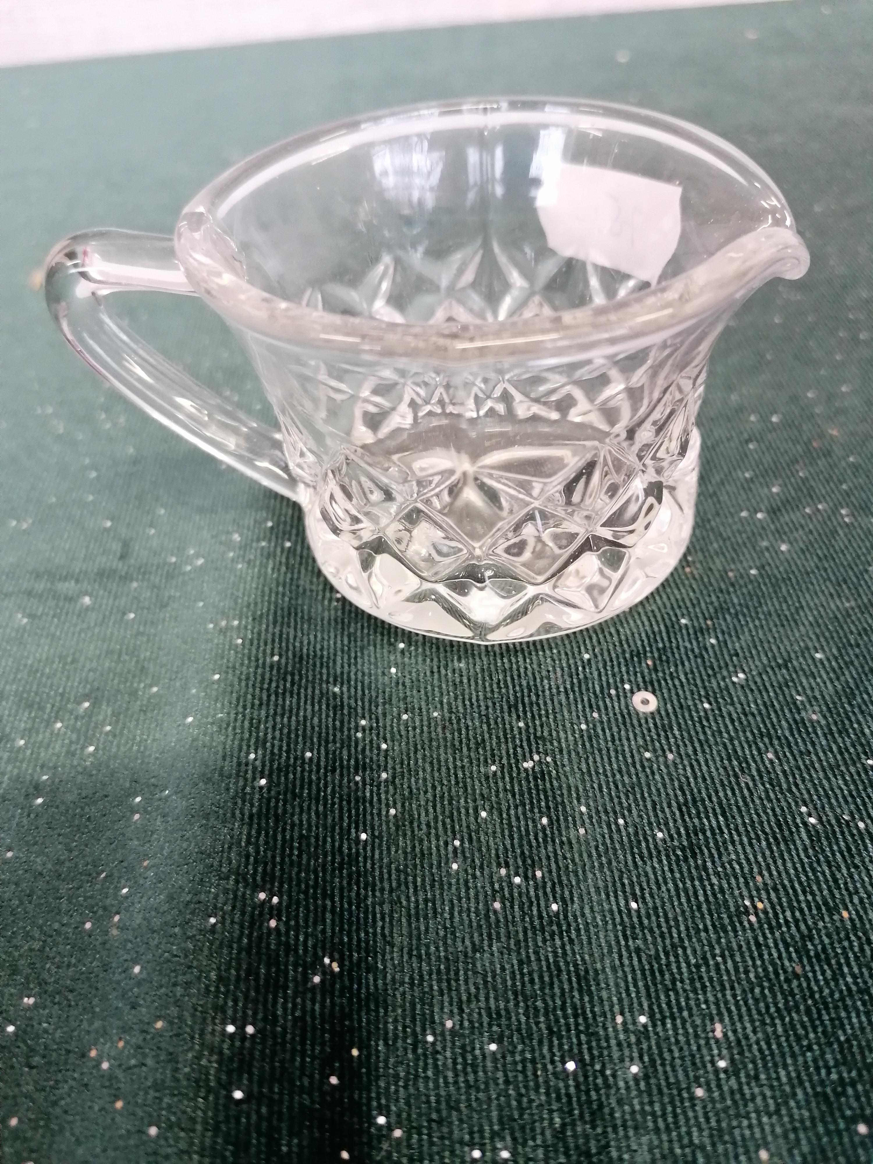Gräddsnipa i glas med rutmönster
