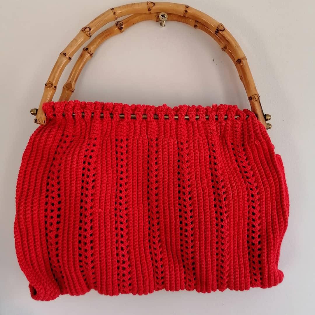 Virkad väska röd