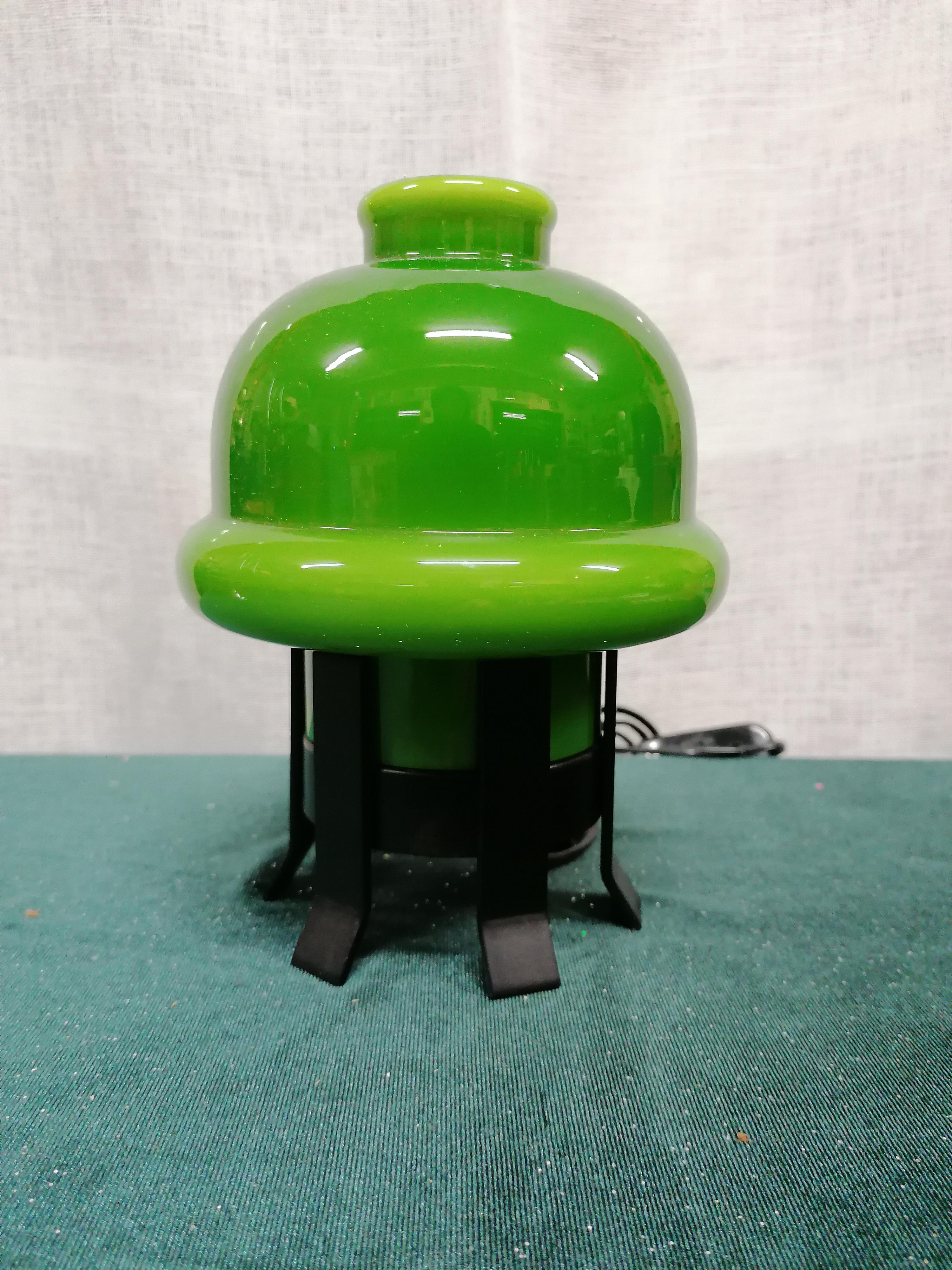 70-tals lampa från Ledung i smide och glas