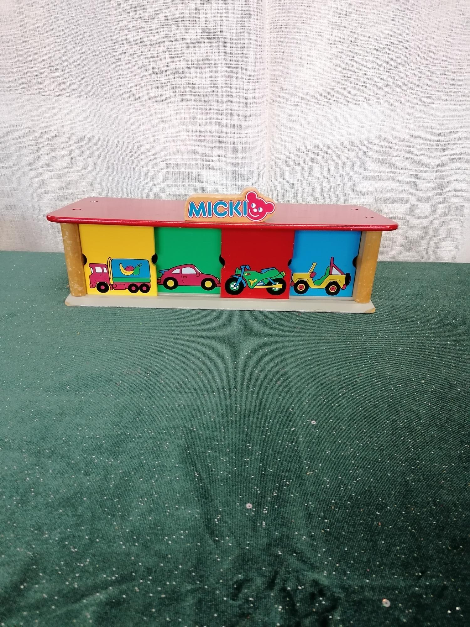 Garage från Miki