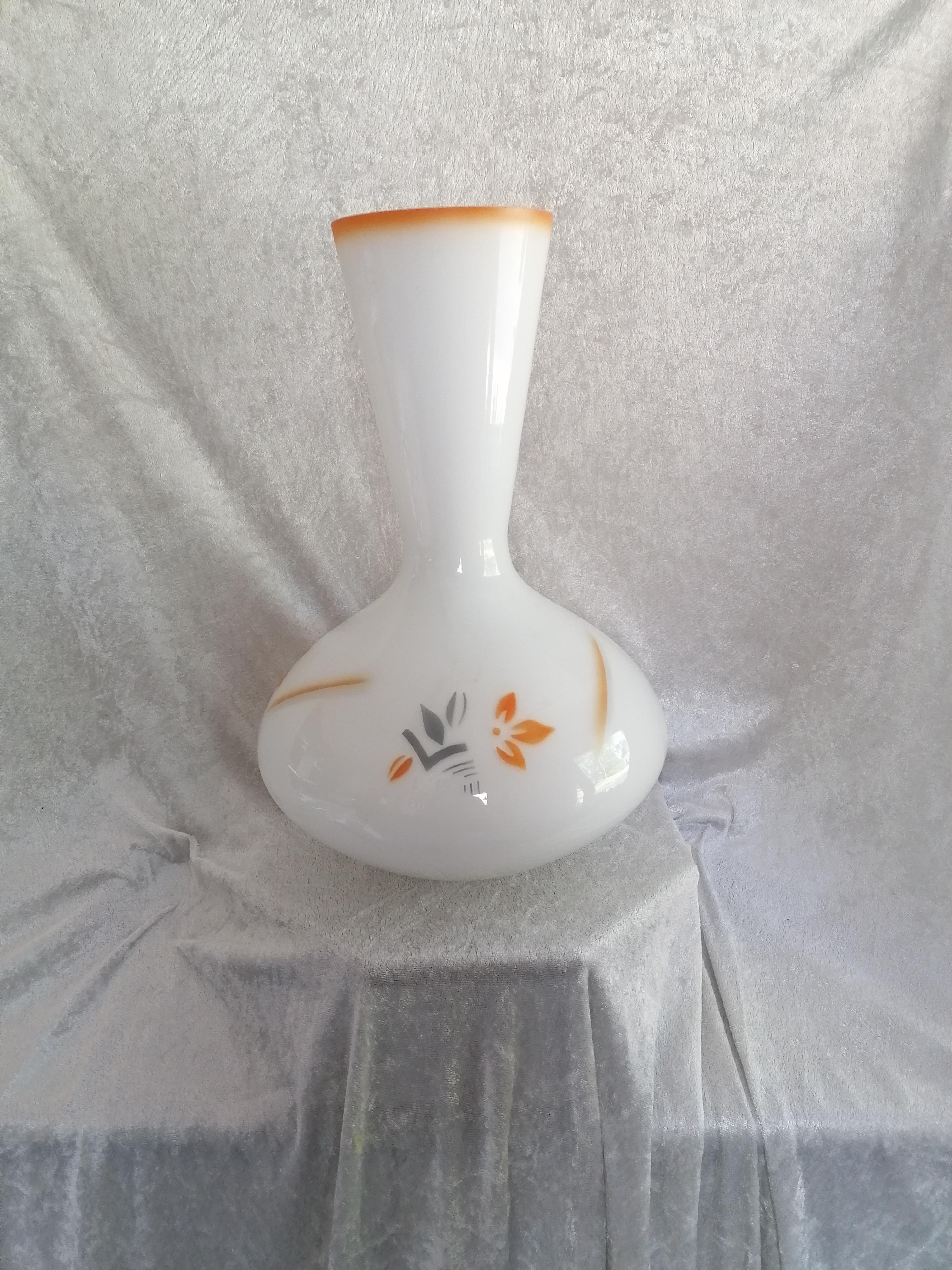 Vas antik Loobvas