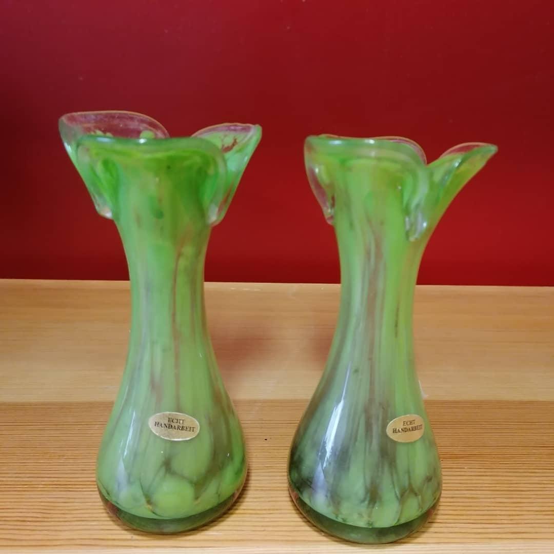 Paret handgjorda tyska glasvaser