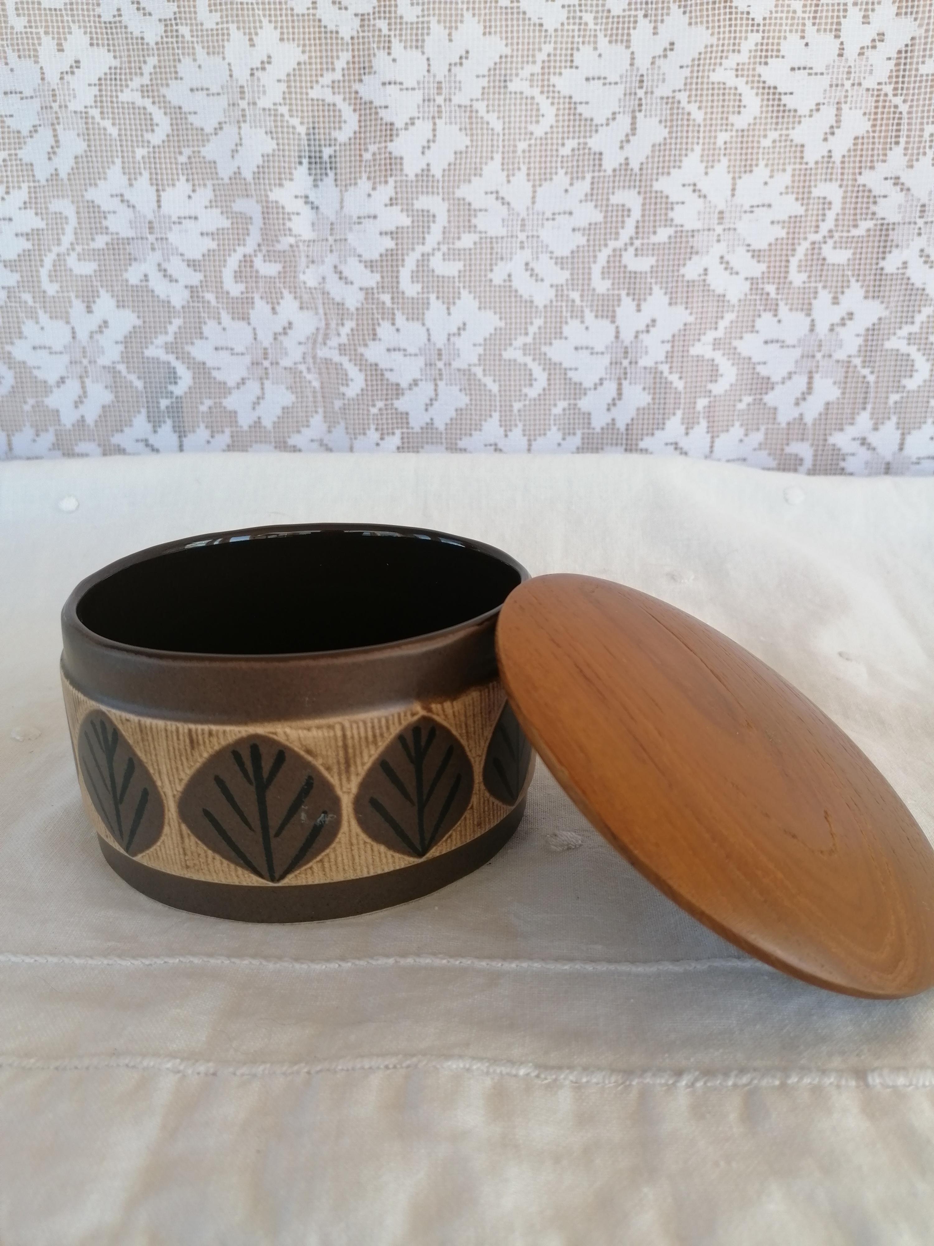 Keramikburk med teaklock Anita Nylund Syco