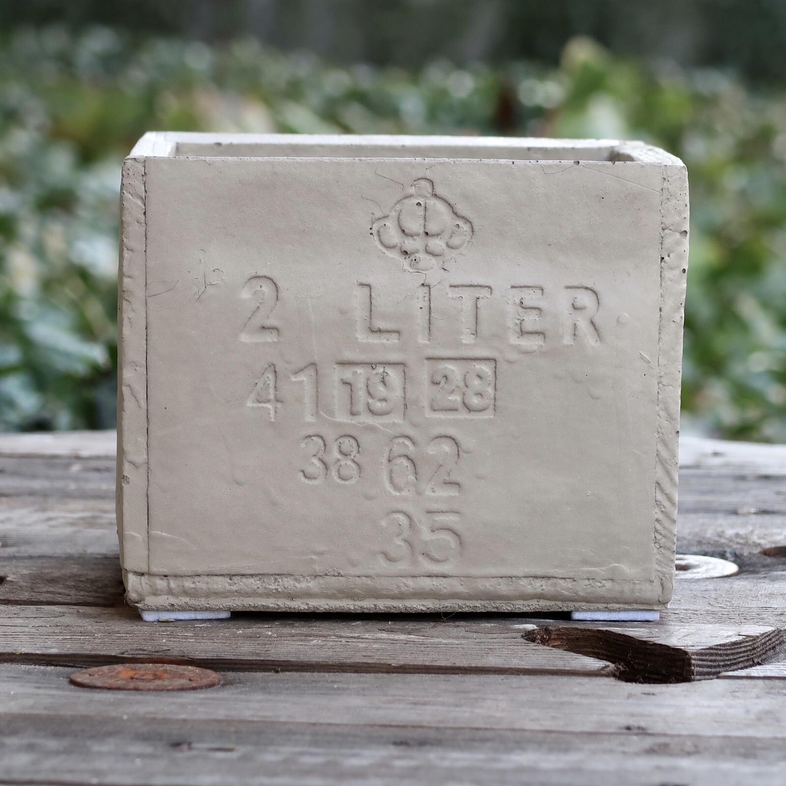 2 Liter kruka i betong