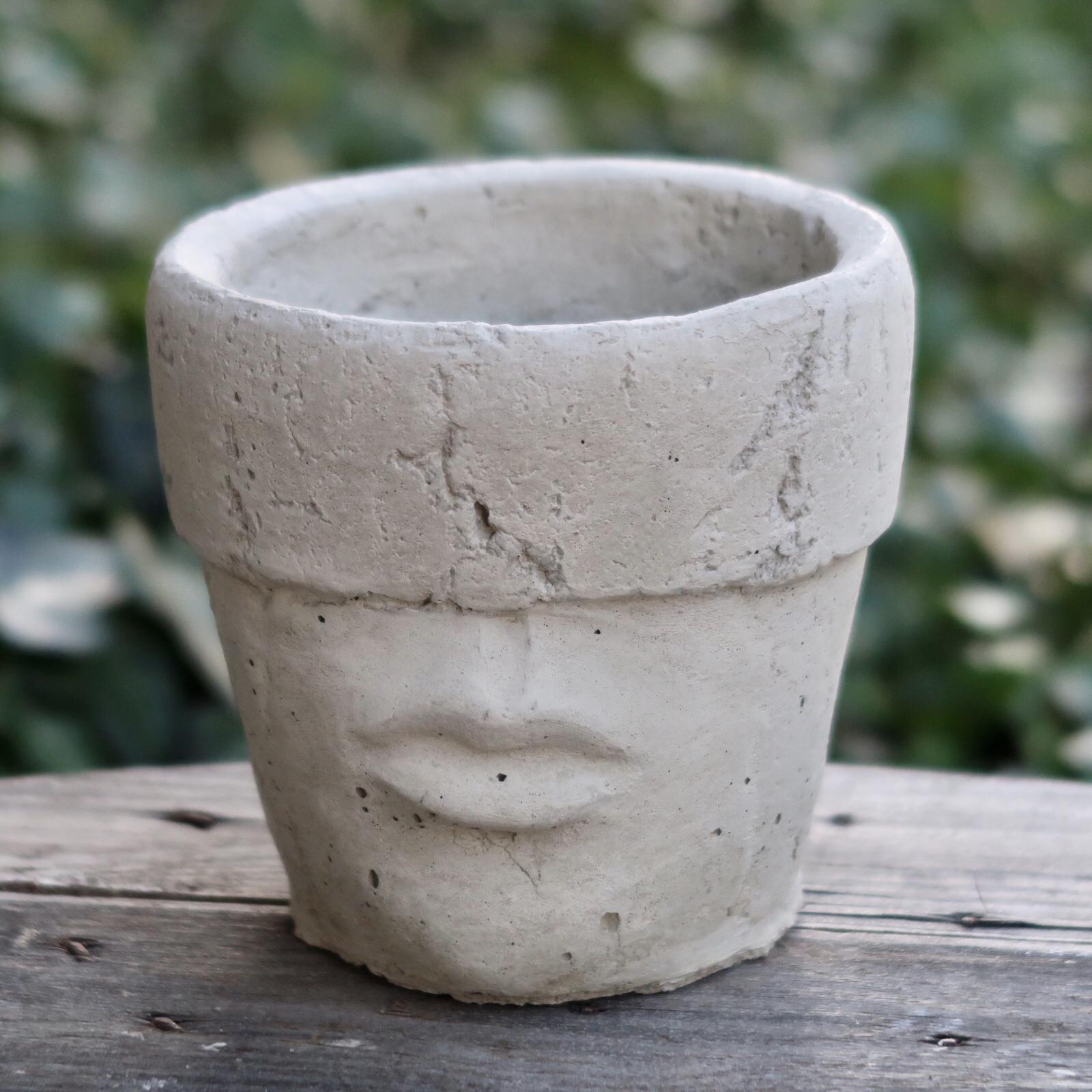 Kruka mun  i betong