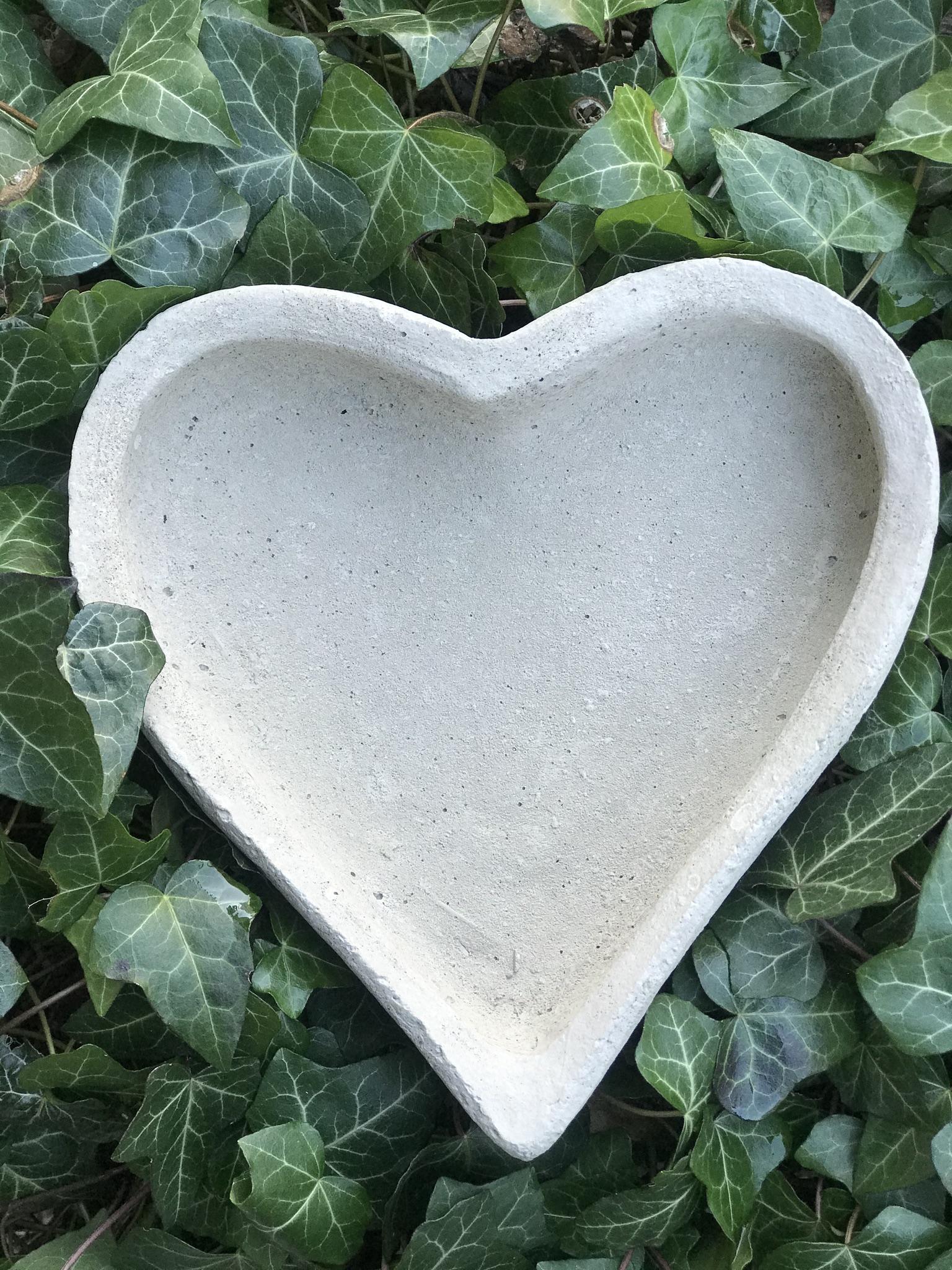 Hjärta Stort i betong
