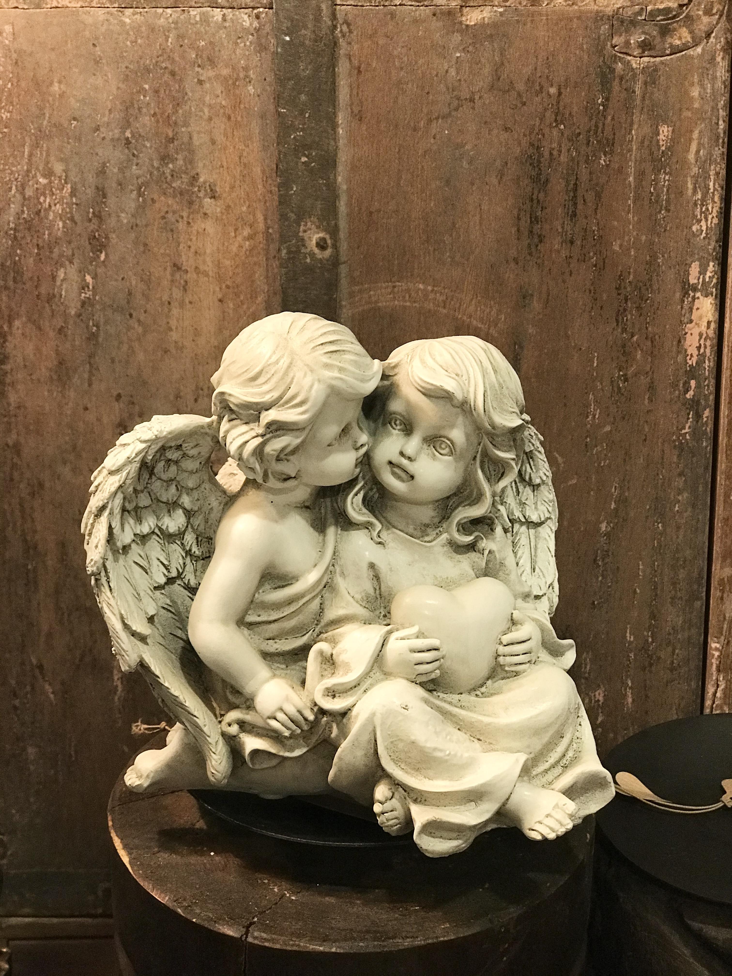 Ängel barn med hjärta