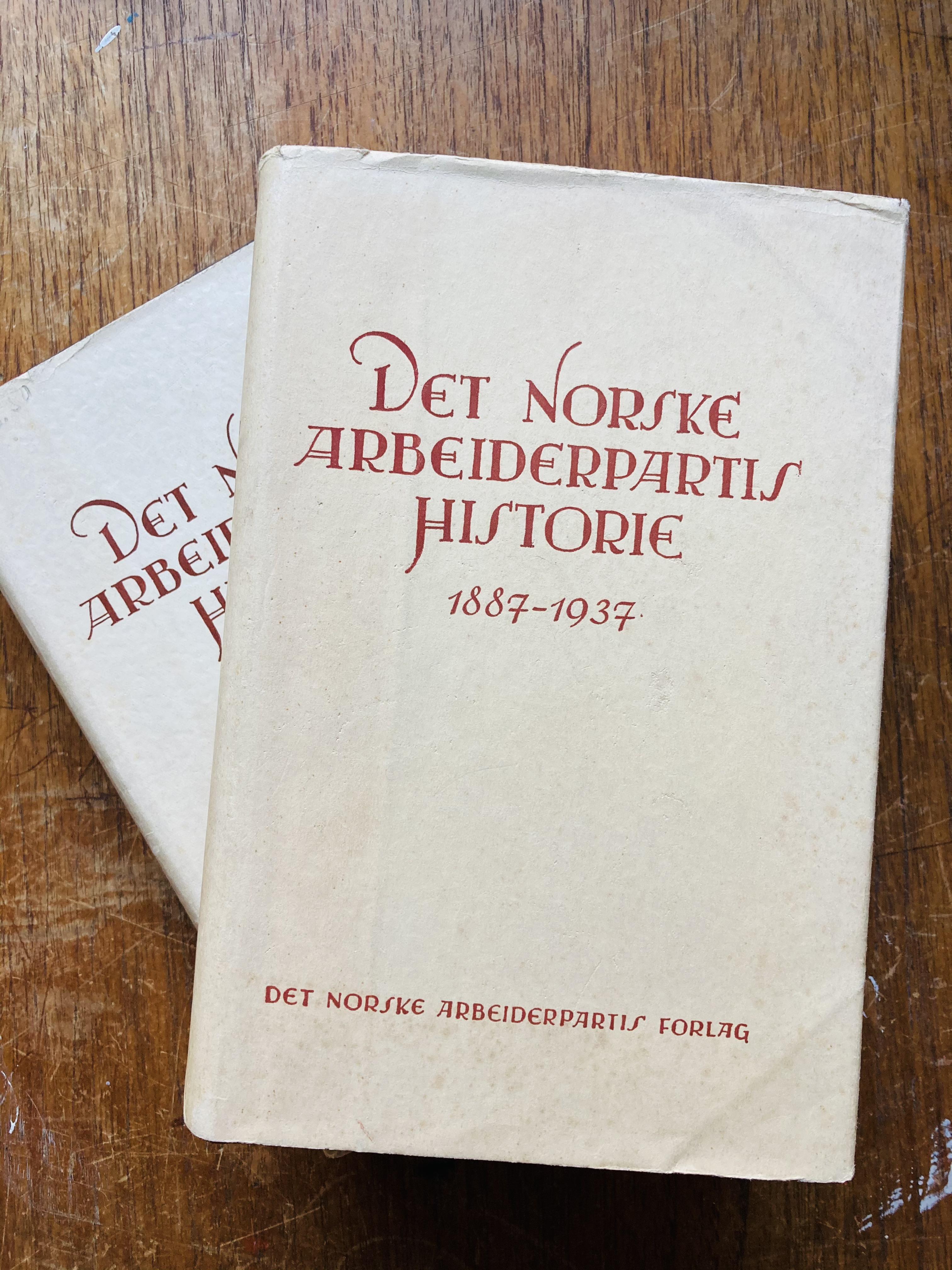 Halvdan Koht (red): Det Norske Arbeiderpartis historie - Bind I-II