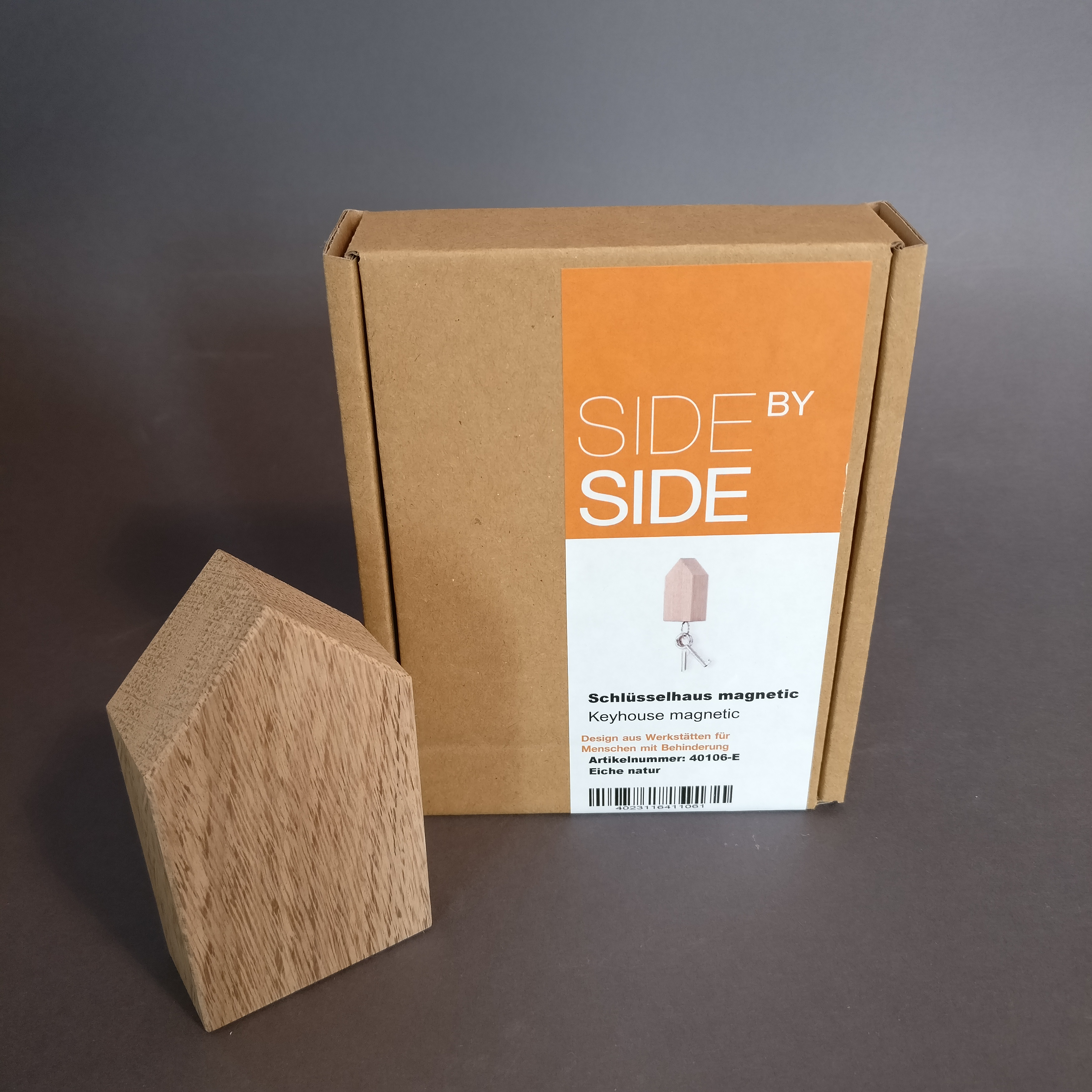Schlüsselhaus mit Magnet von Side by Side Socialdesign
