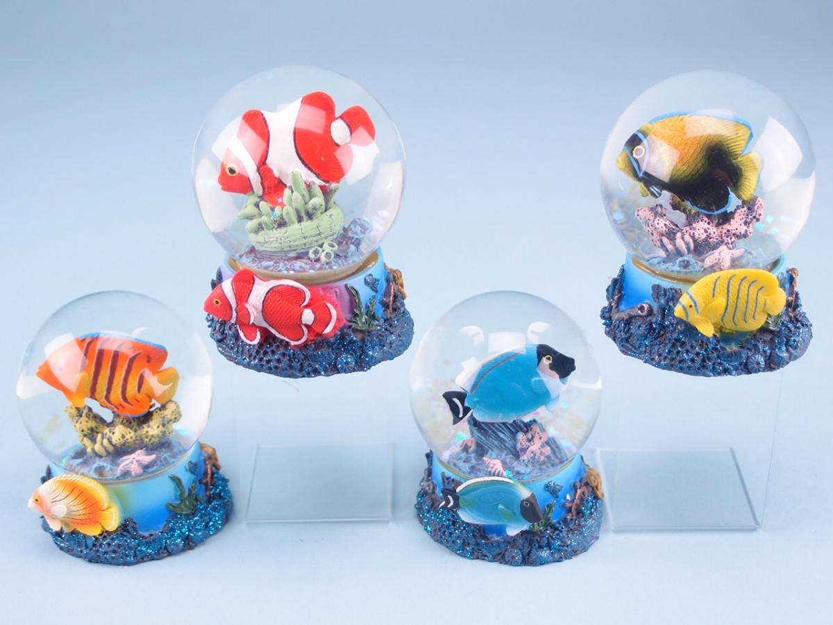 Snowglobe: Tropical Fish Blue 8cm SALE 40% (£6.95)