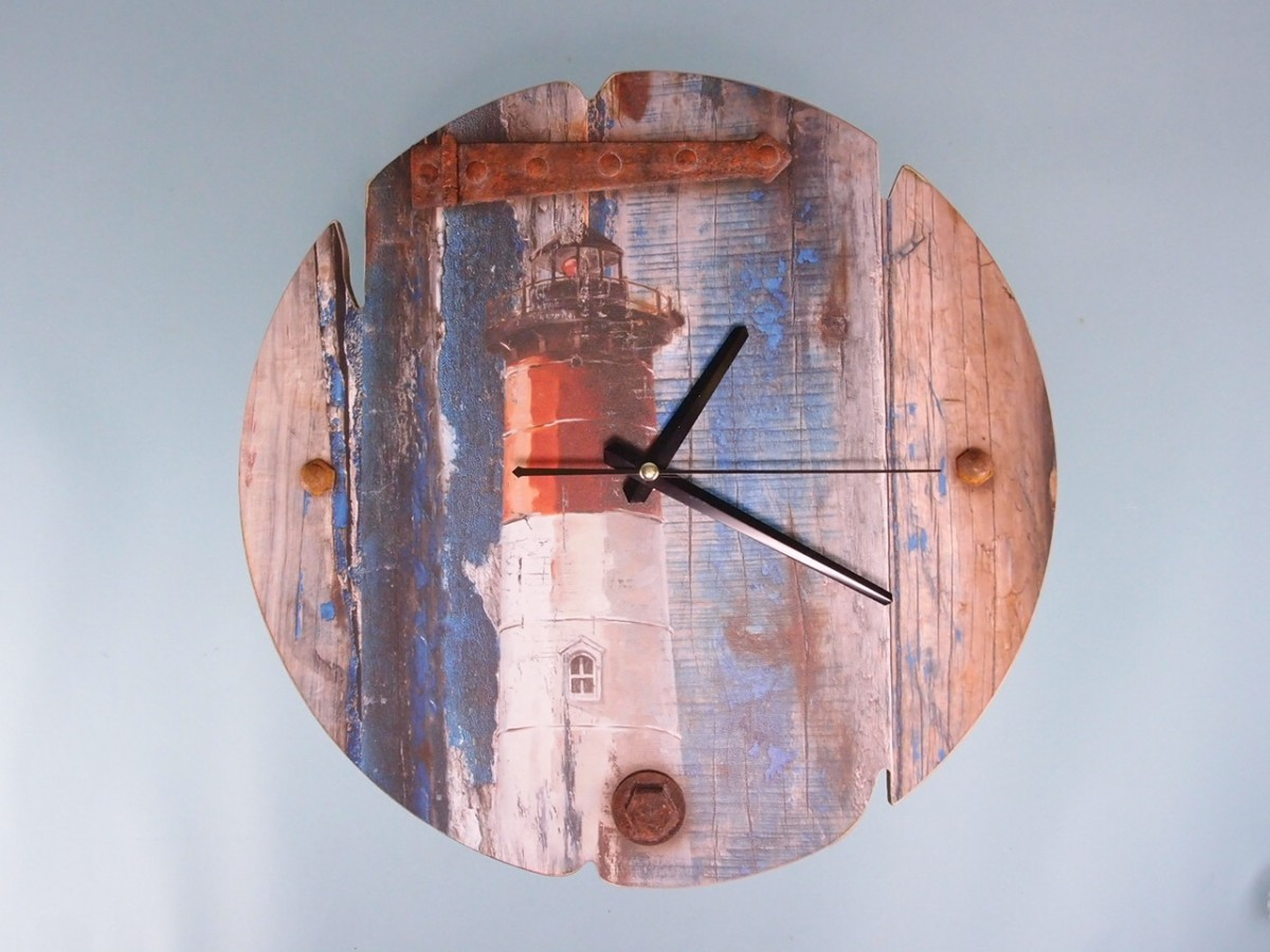 Clock: Lighthouse 34cm