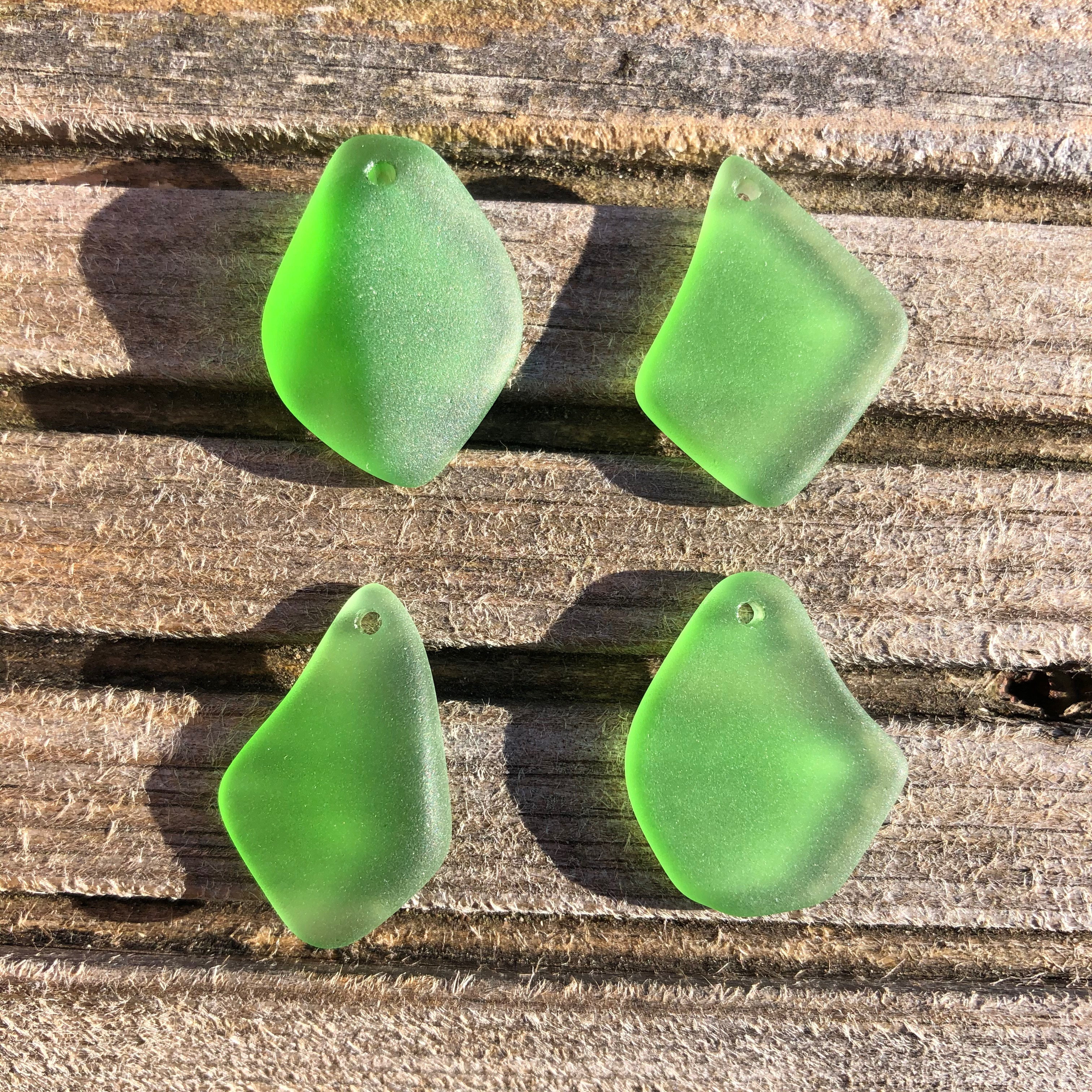 Cultured Sea Glass Freeform Pendants 08 Shamrock Green