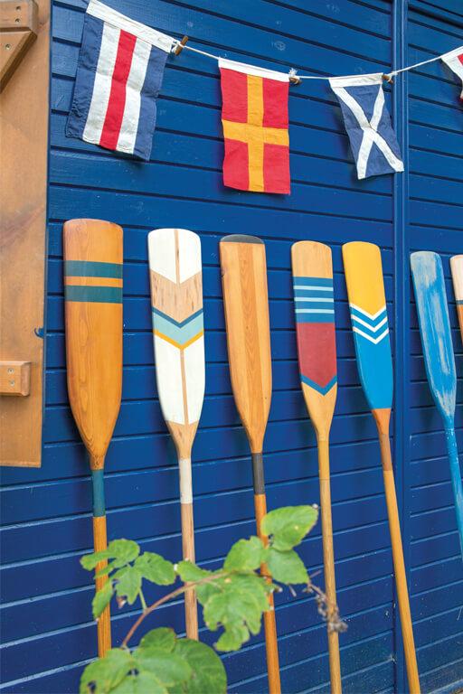 Decorative Oar: Blue Stripes