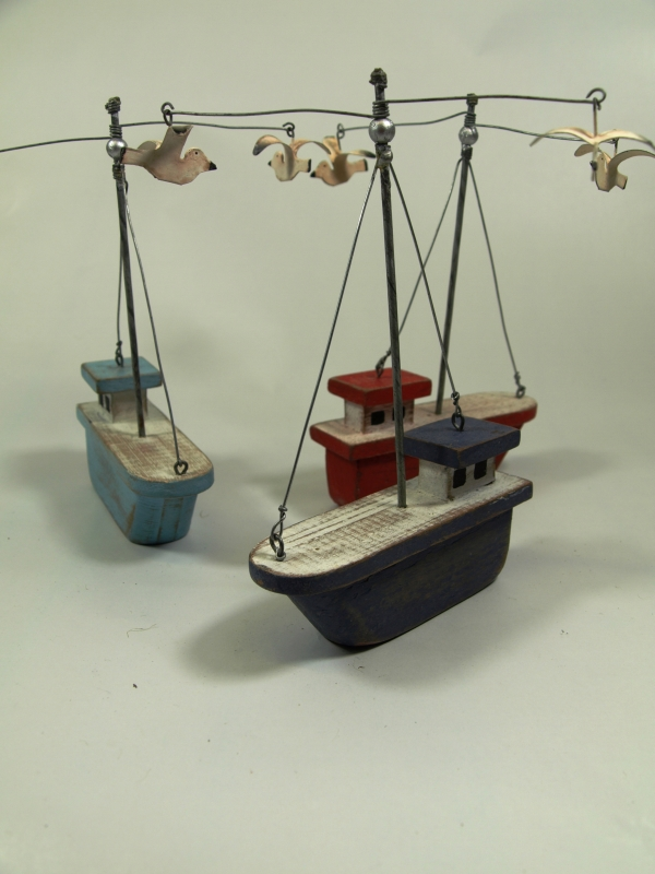 10cm Wooden Trawler with Seagulls